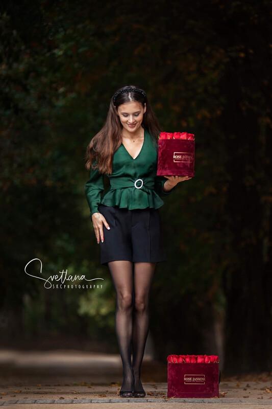Burgundy Velour Box (3 Dozen Roses)