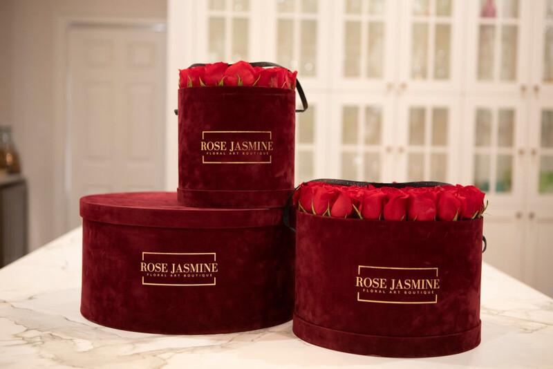 Burgundy Velour Box (100 Roses)