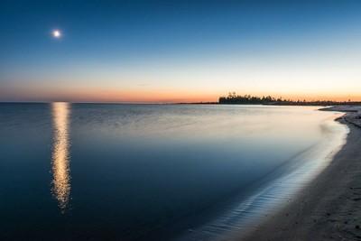 Chiefs Point Moon, Sauble Beach, Ontario, Canada