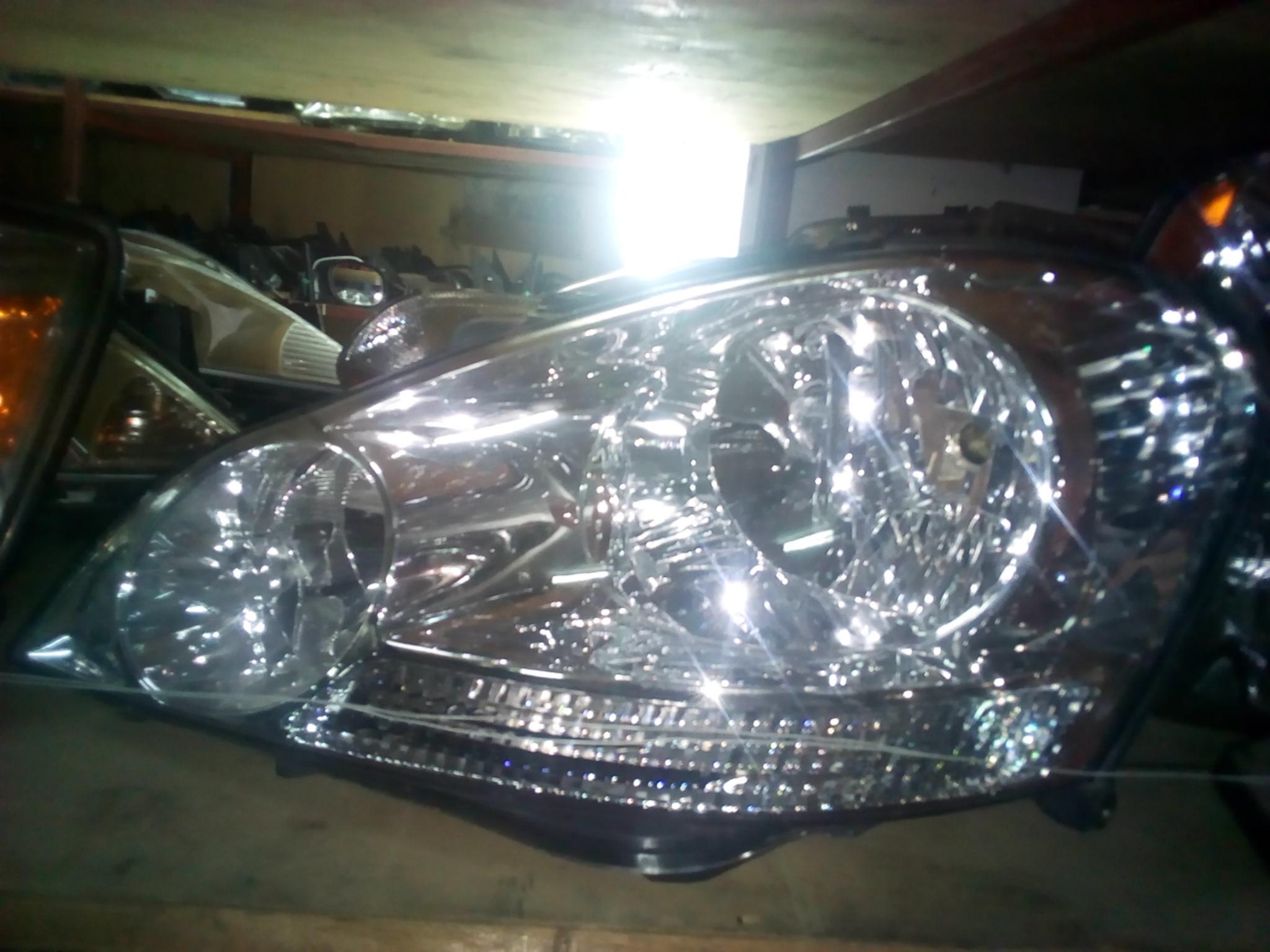Toyota Ipsum Head Light 03256