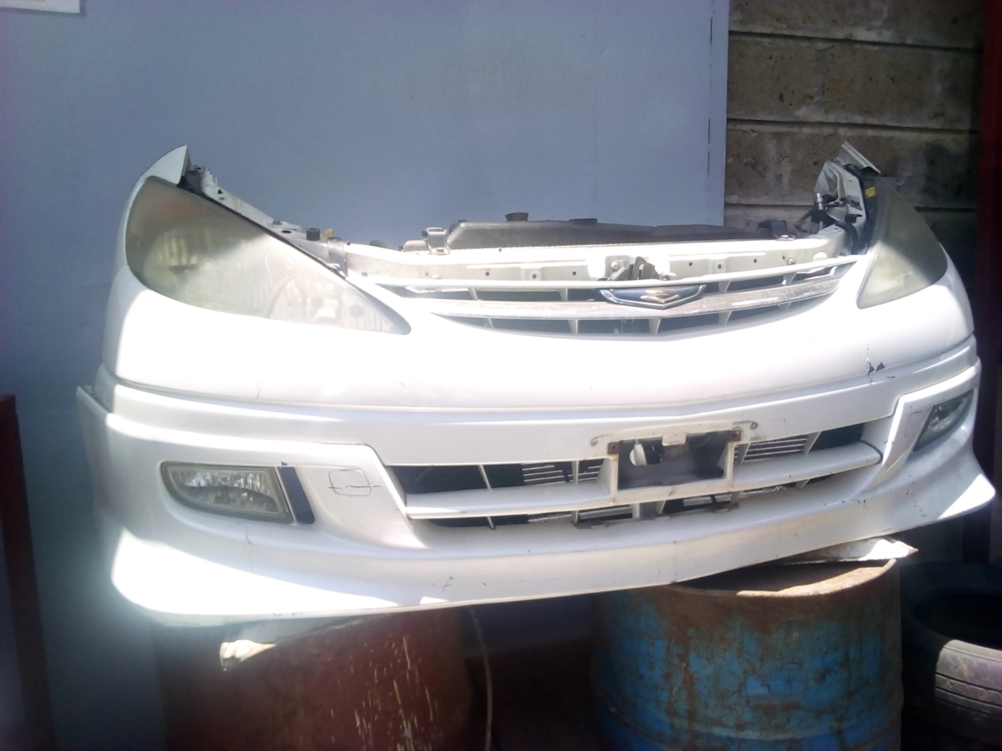Toyota Estima Nose Cut 03327