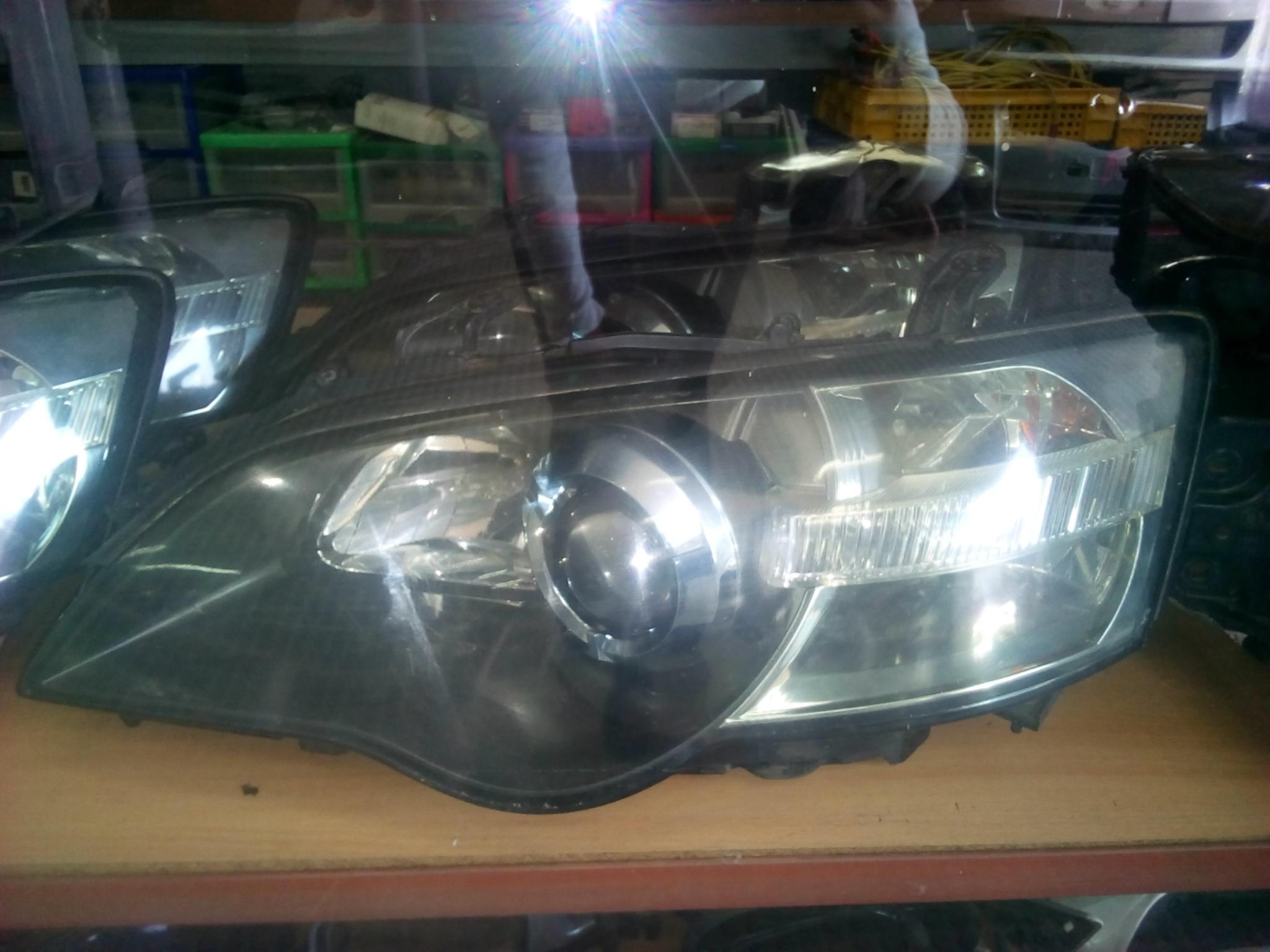 Subaru Legacy Bp5 Head Light 03337