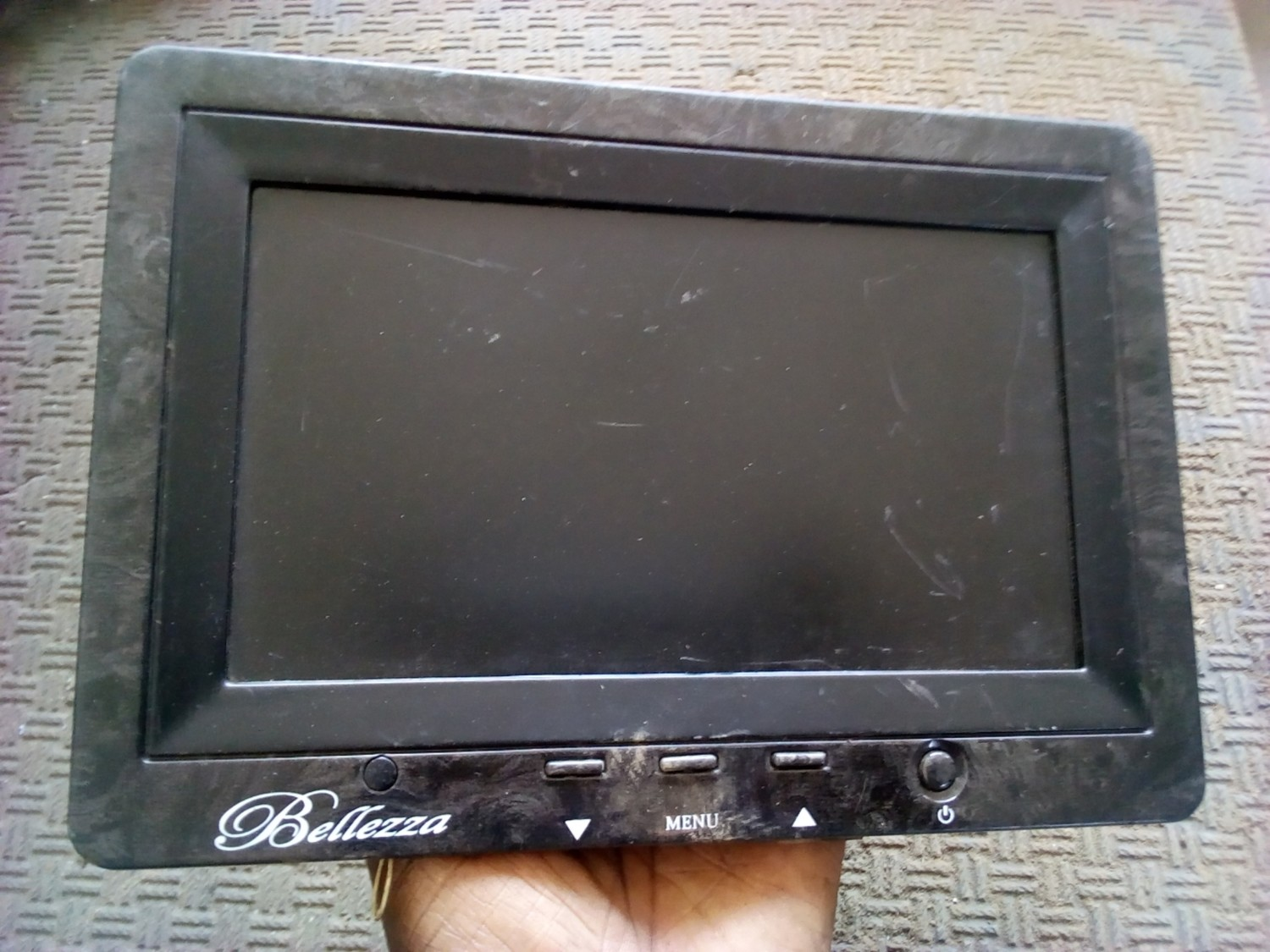 Head rest video screen for all cars