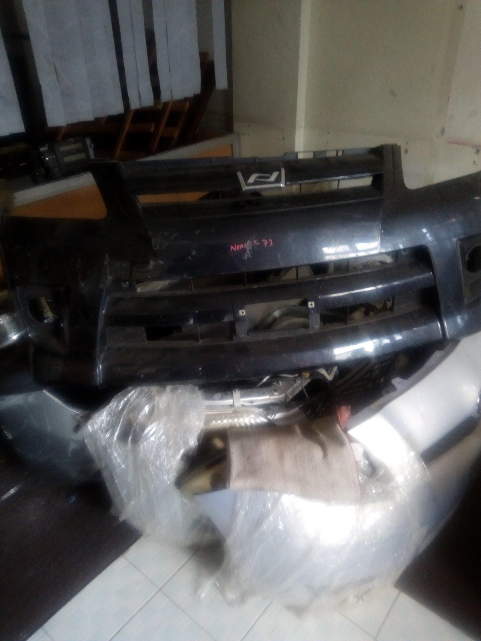 Toyota noah Front bumper 00014