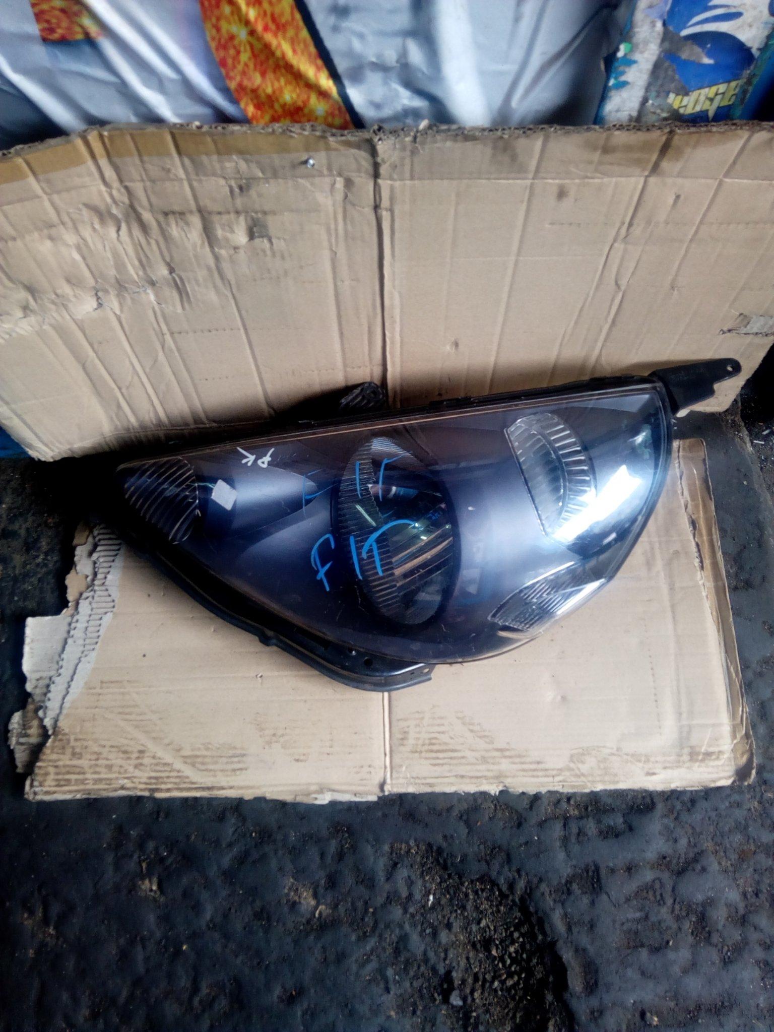 Honda fit headlight 00061