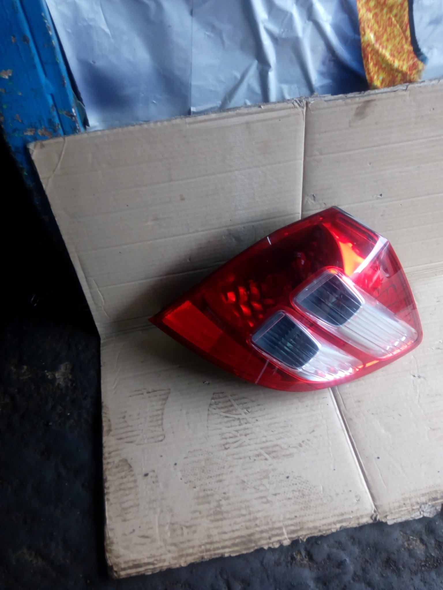 Honda fit tail light 00275