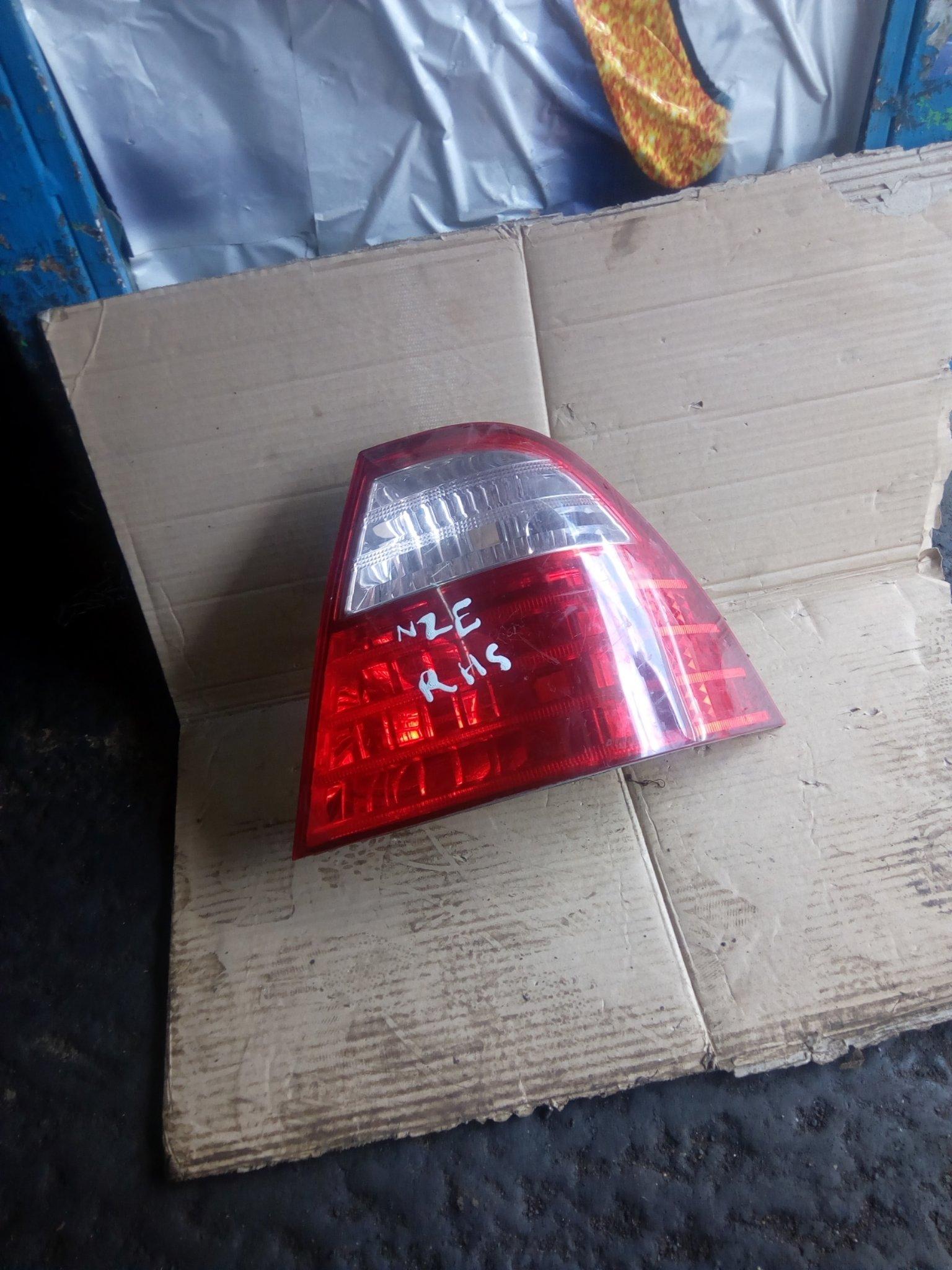 Toyoyta NZE tail light 00288