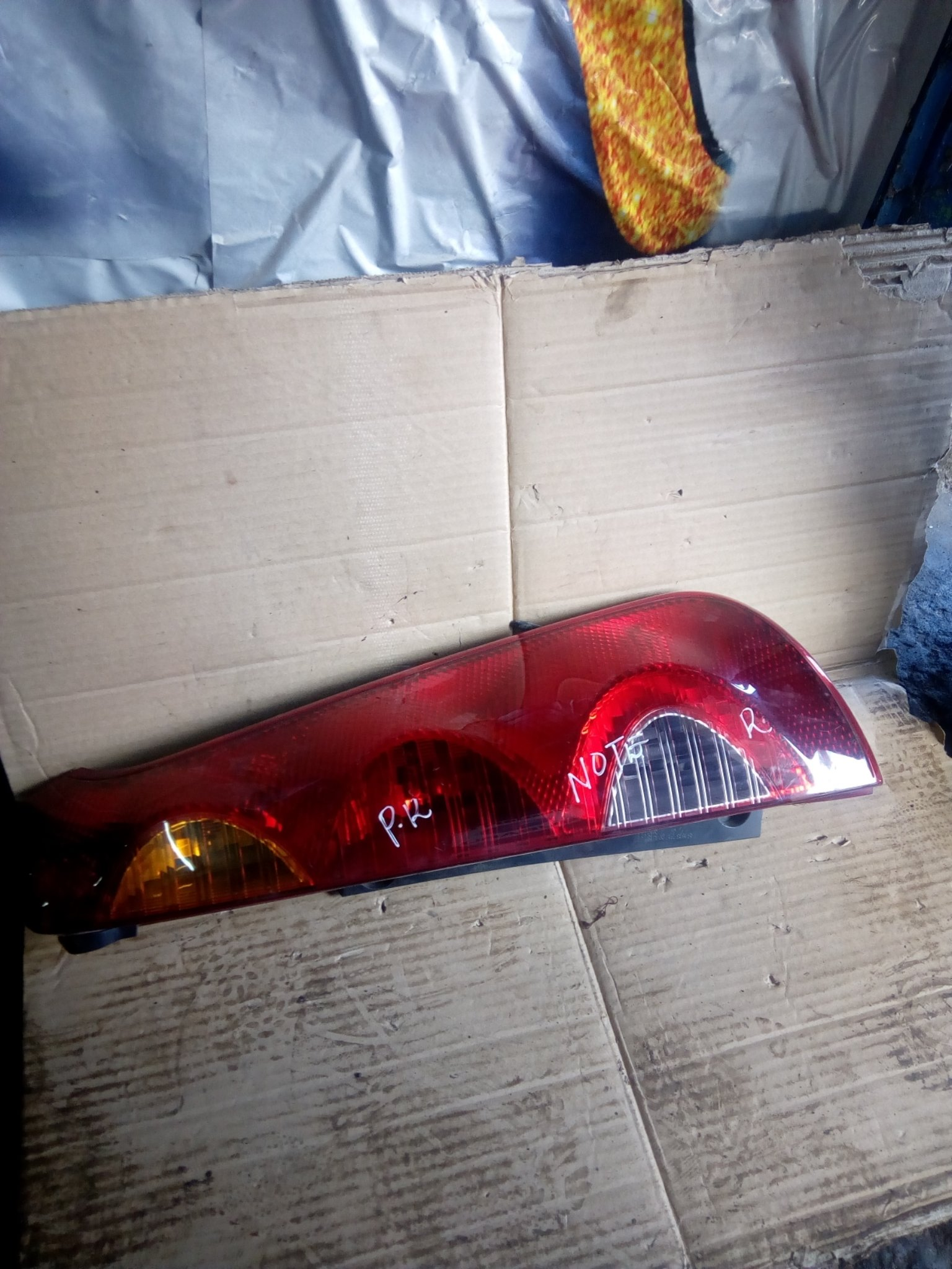 Nissan Note tail light 00296