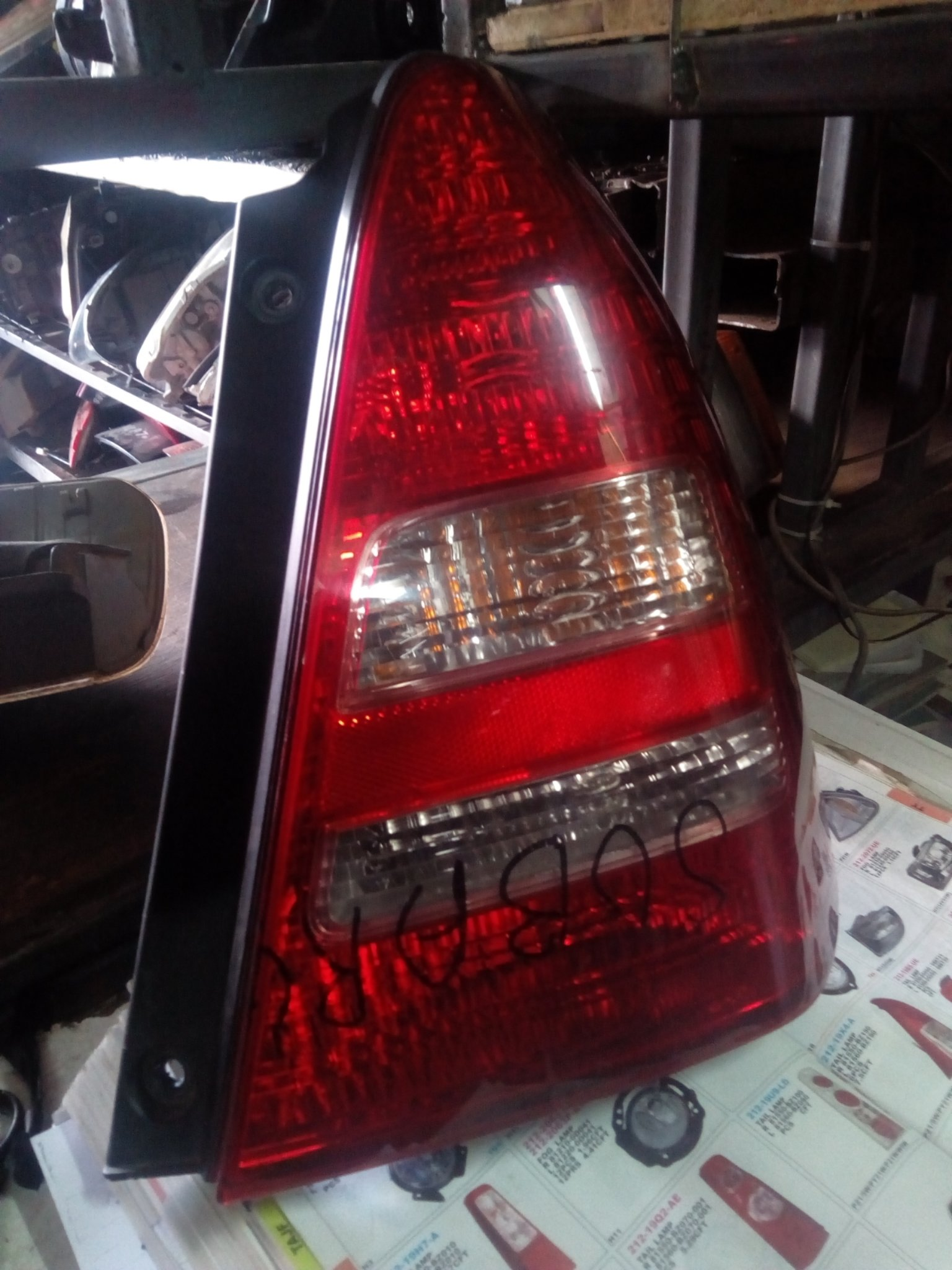 Subaru forester tail light 00299