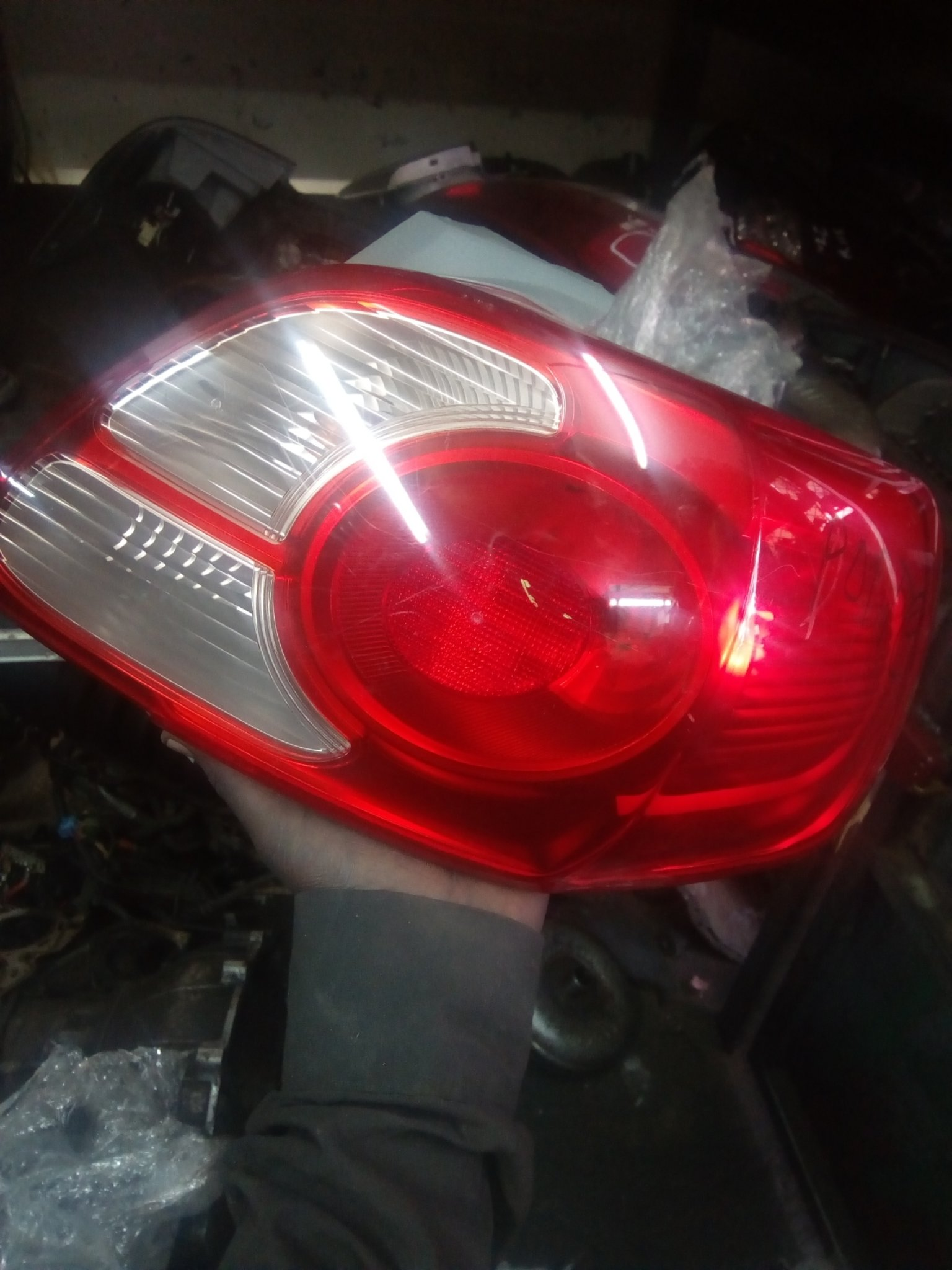Toyota Porte tail light 00303