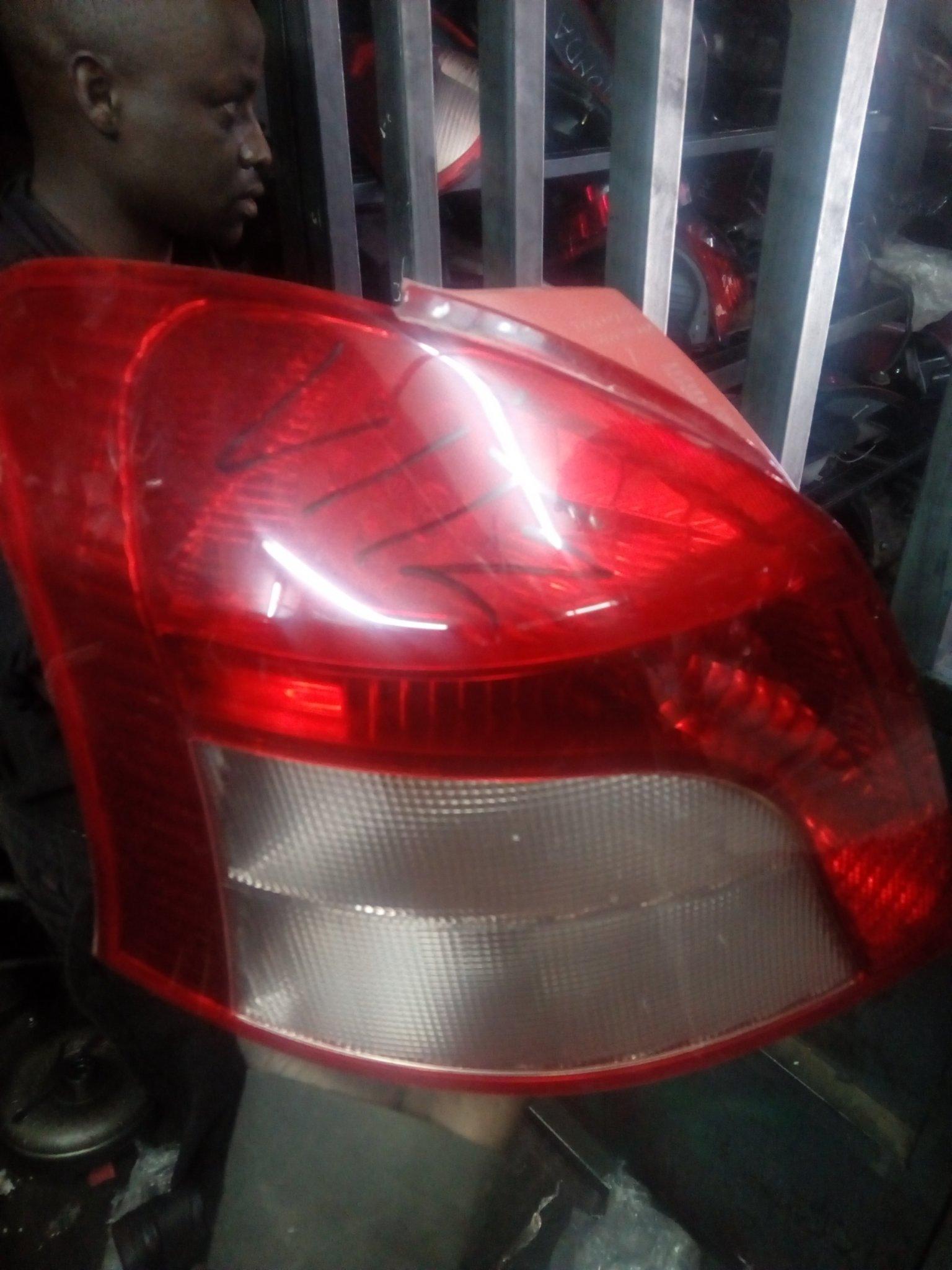 Toyota Vitz tail light 00304pk