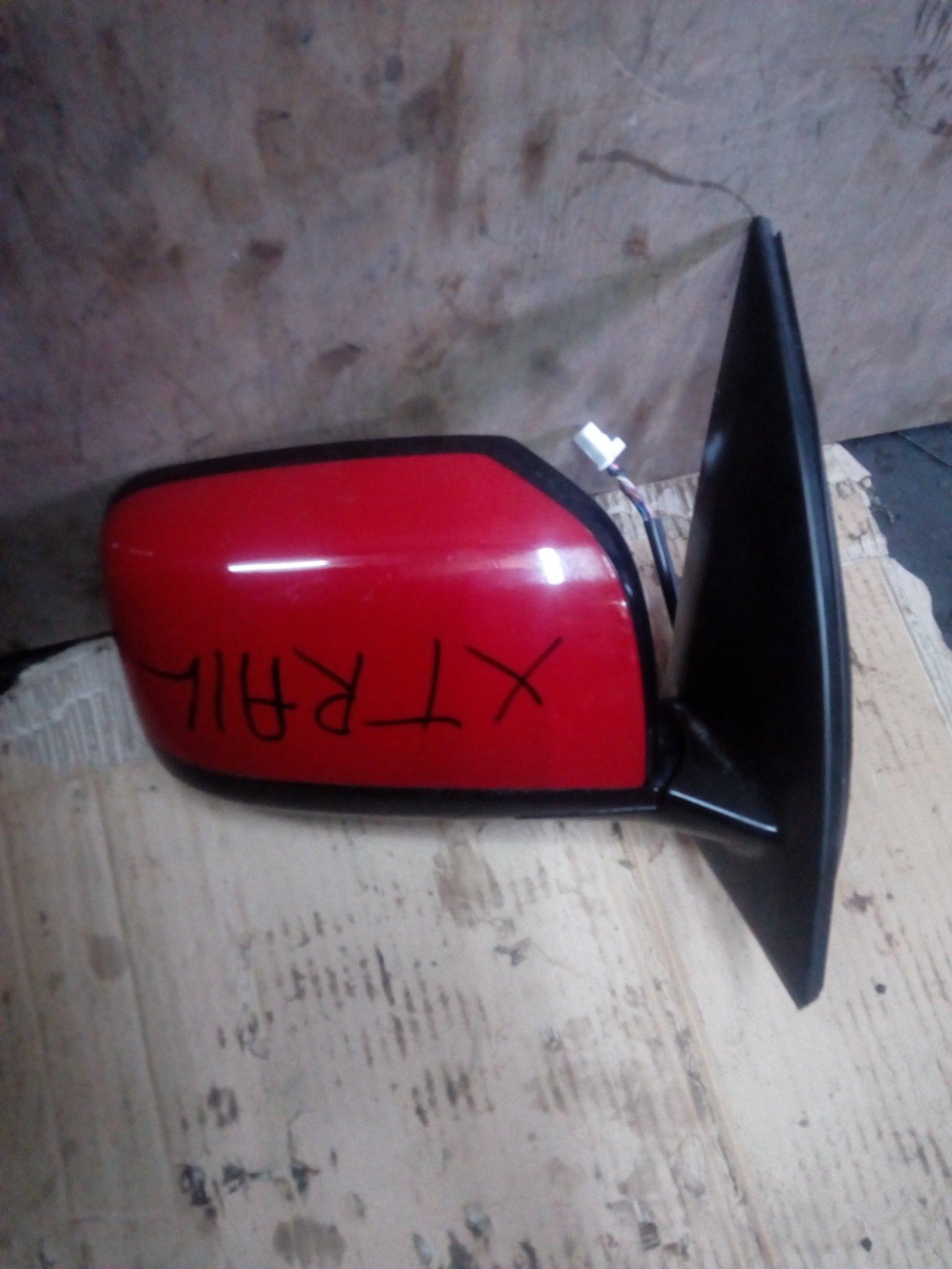 Nissan Xtrail side mirror 00342