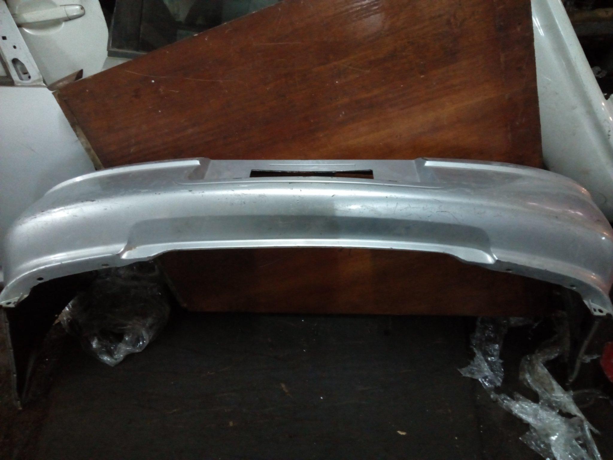 Subaru impreza rare bamper 00467pk