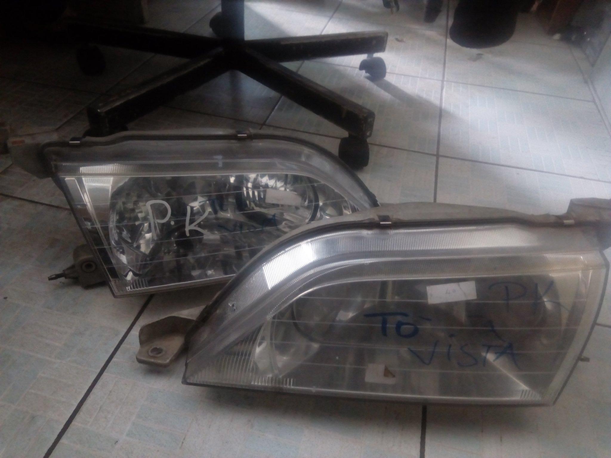 Toyota vista headlight 00544