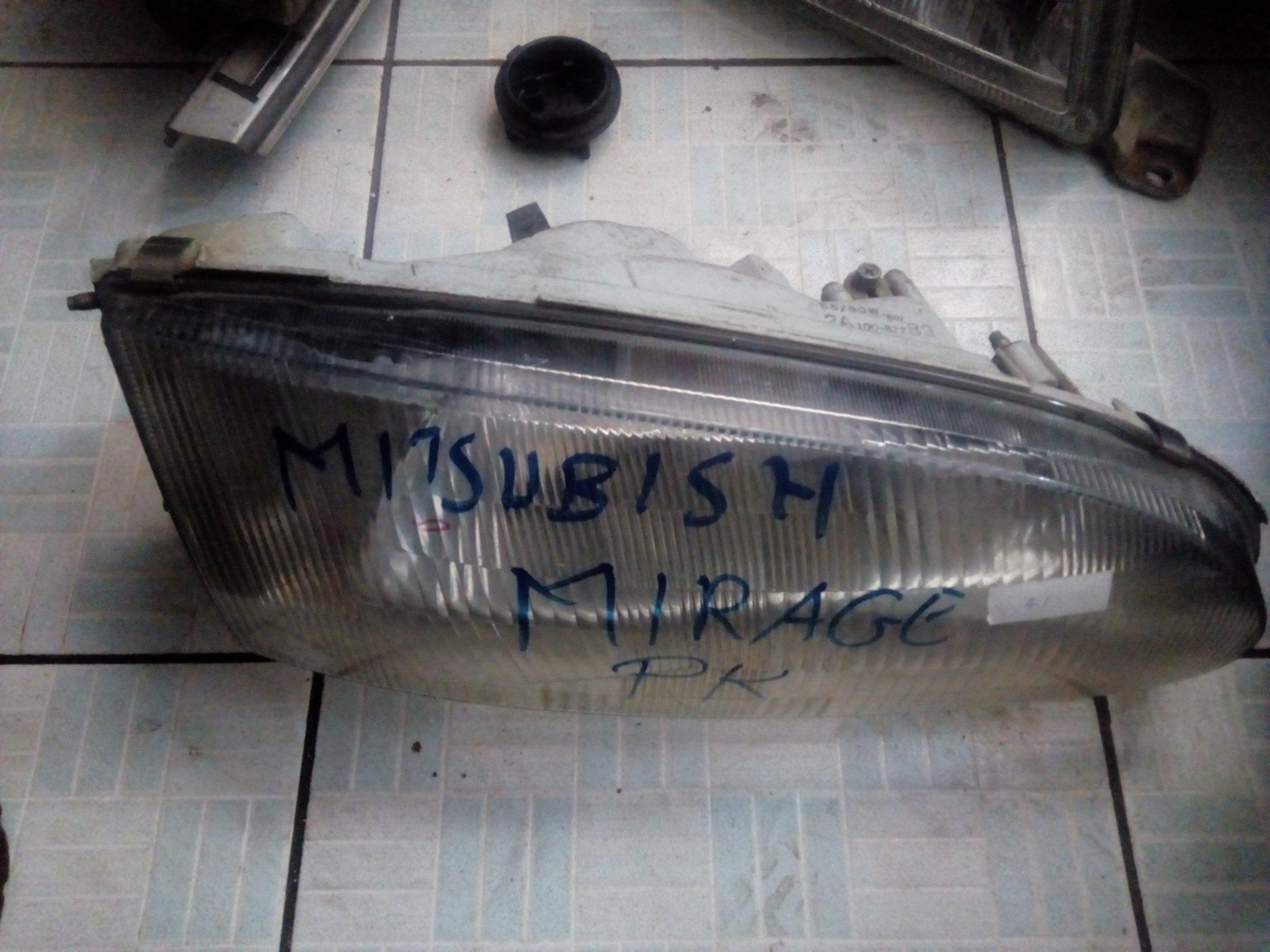 Mitsubishi mirage headlight 00552