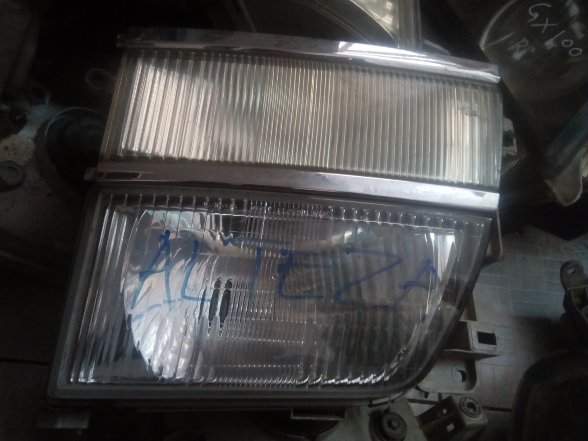 Elgrand headlight 00560pk