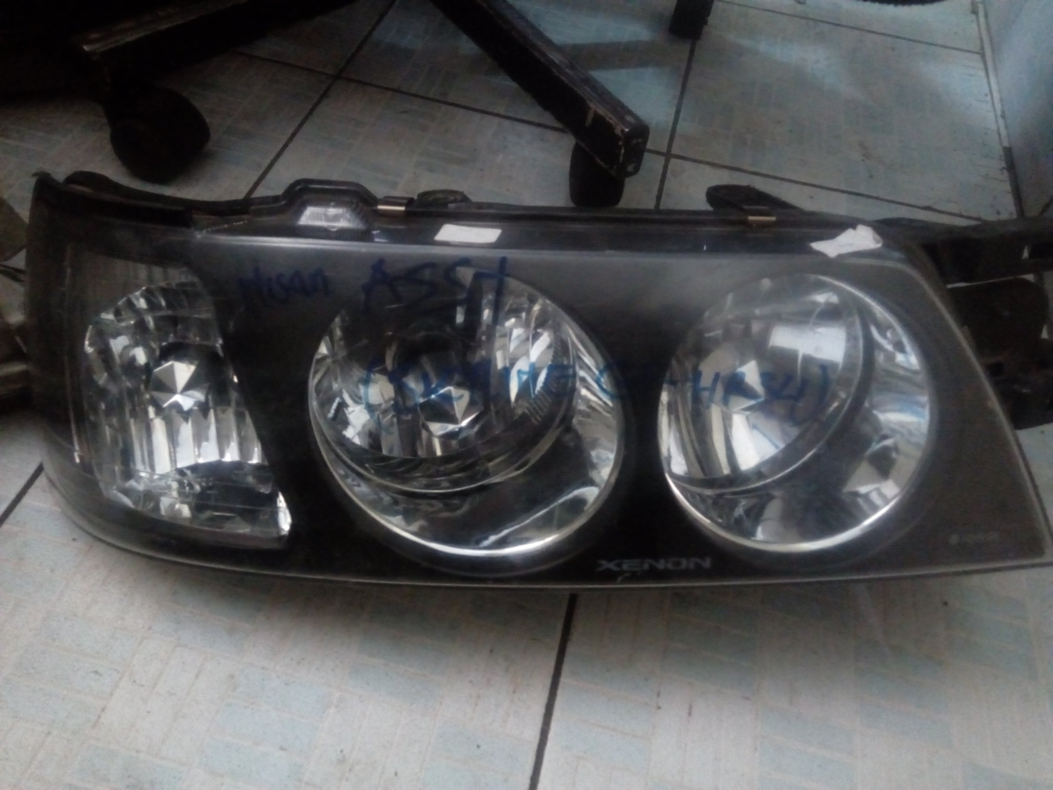 Nassan ASSy headlight 00565