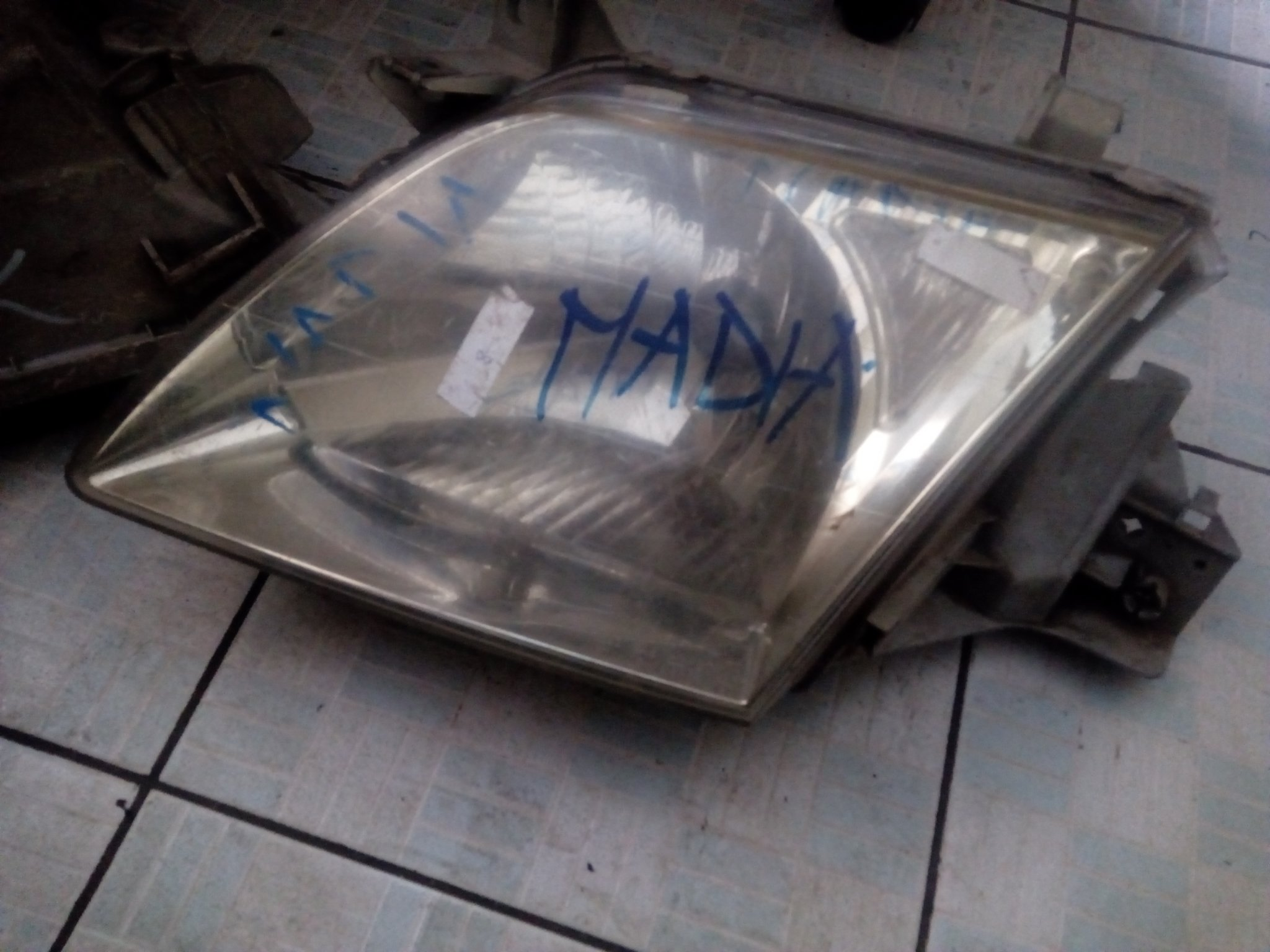 Nadia headlight 00566