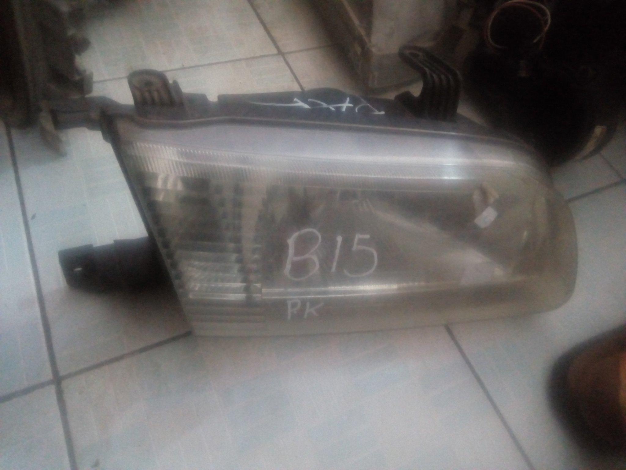 Nissan B15 headlight 00590