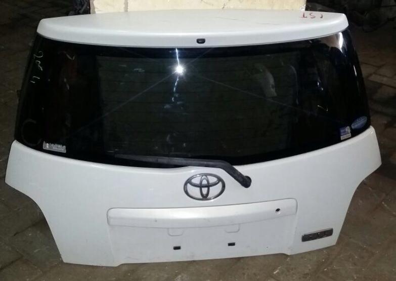 Toyota ist 00639