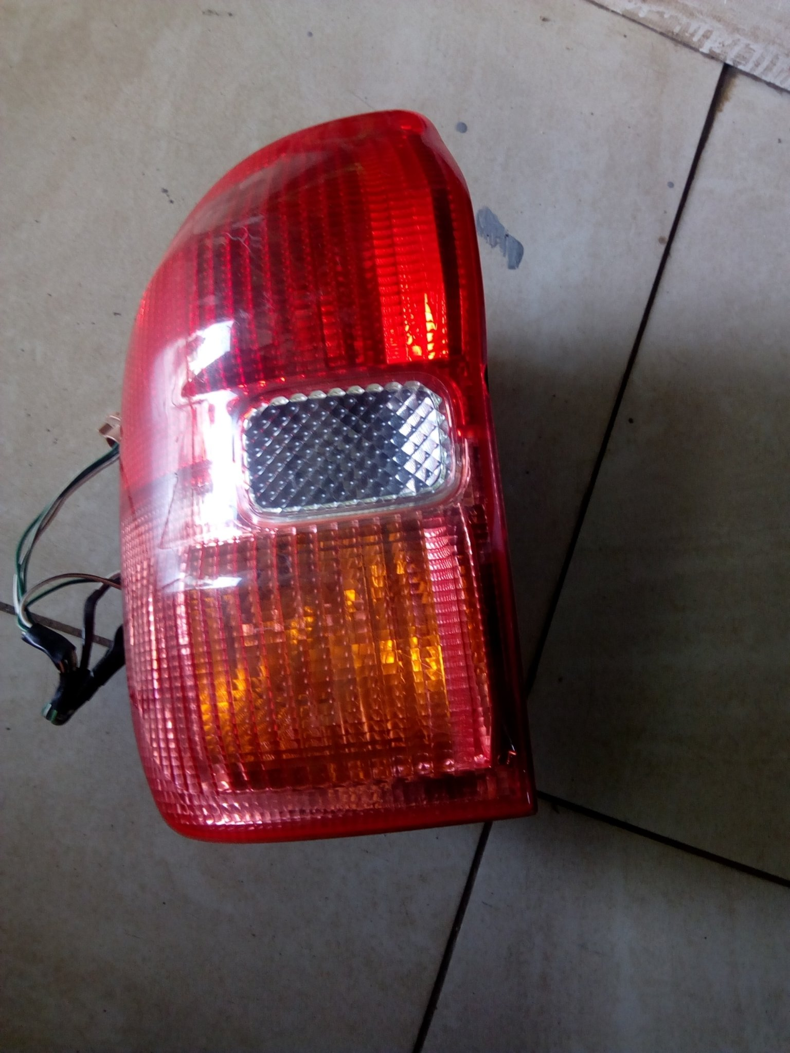 Toyota rah 4 Tail light 00797lc