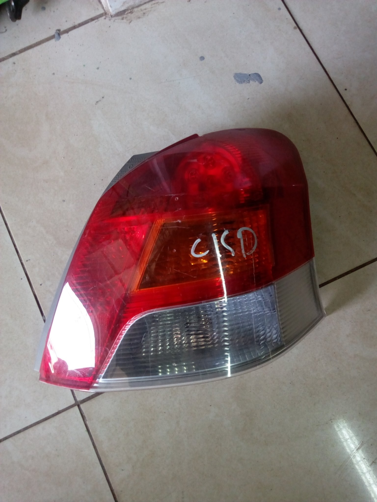 Toyota vitz Tail light 00810