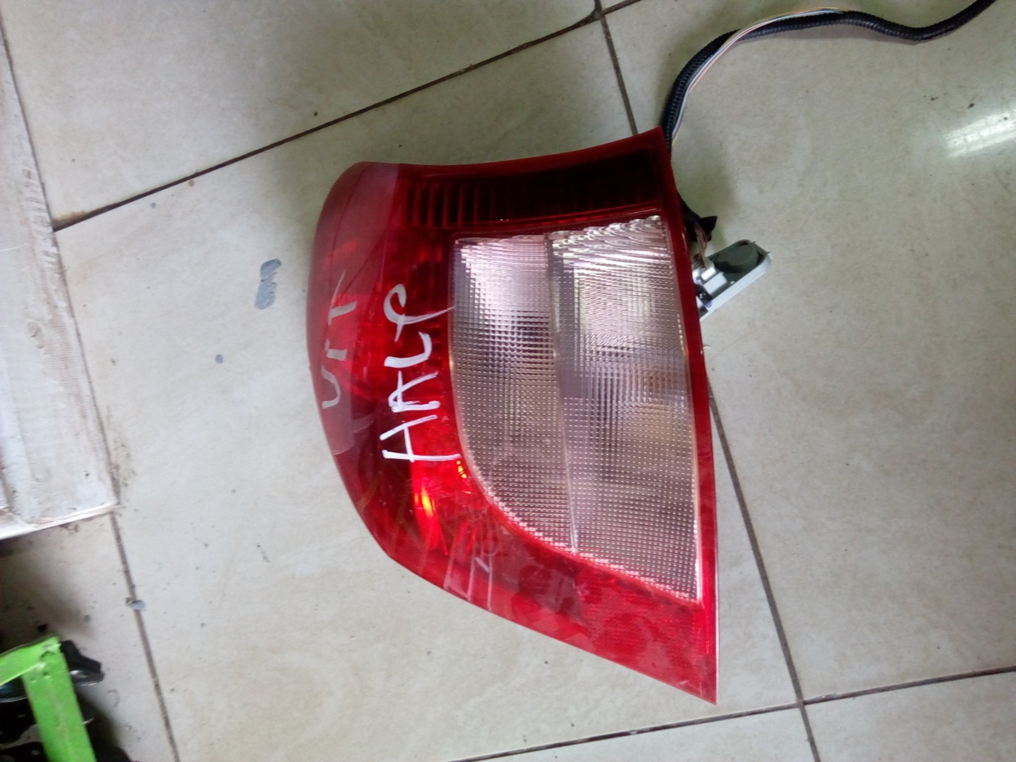Toyota vitz Tail light 00811