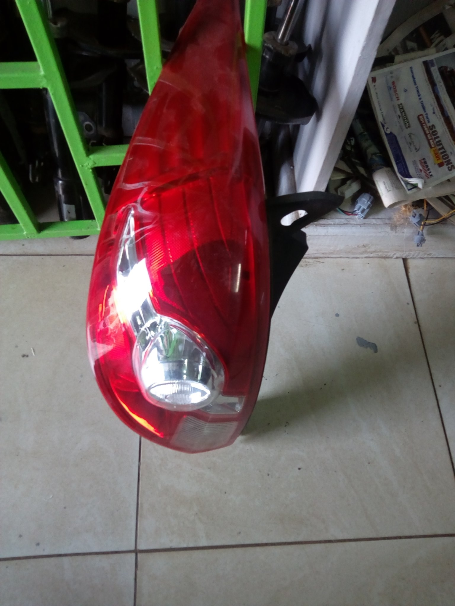 Nissan tiida Tail light 00815