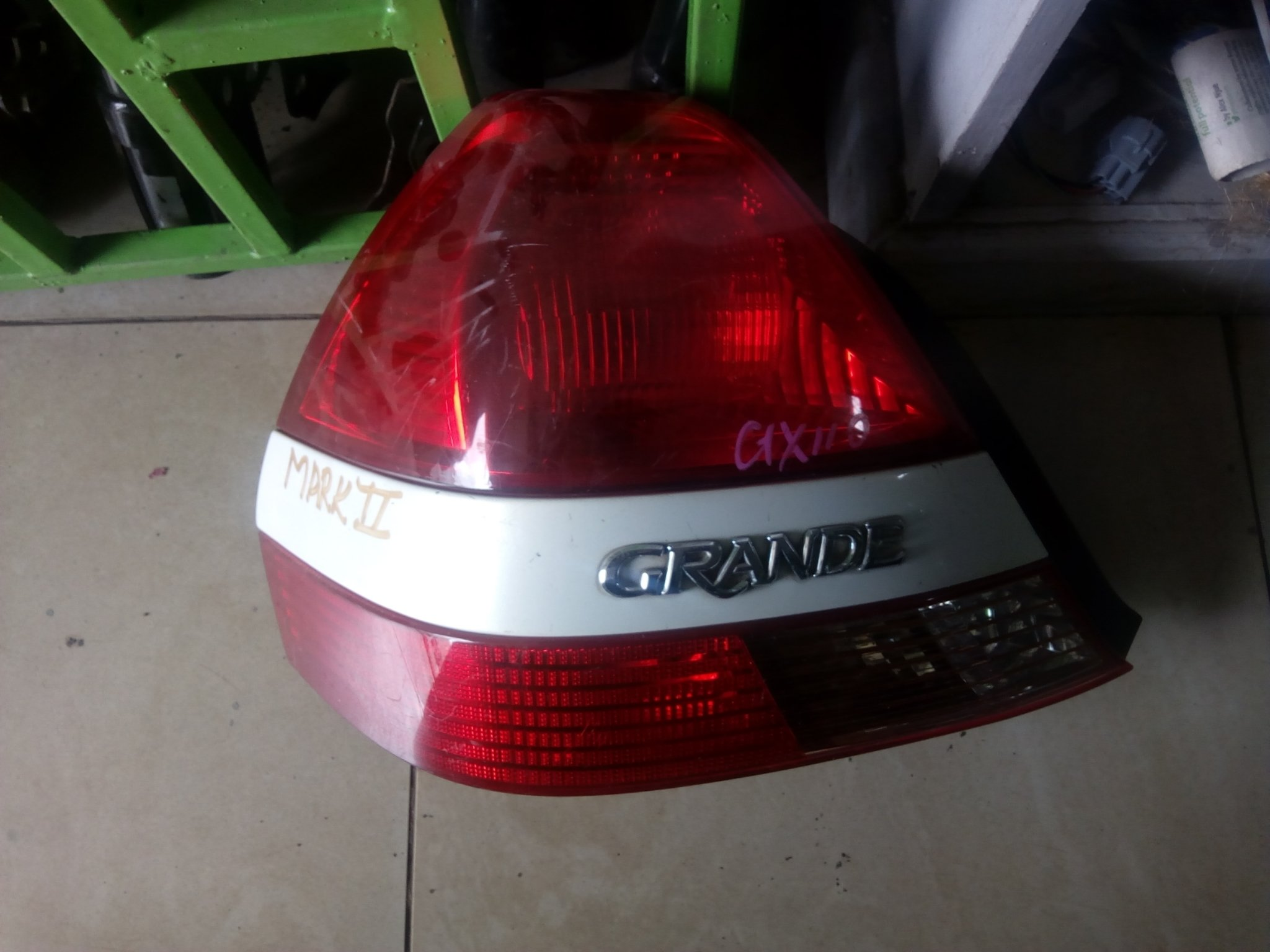 Toyota mark 2 Tail light 00823