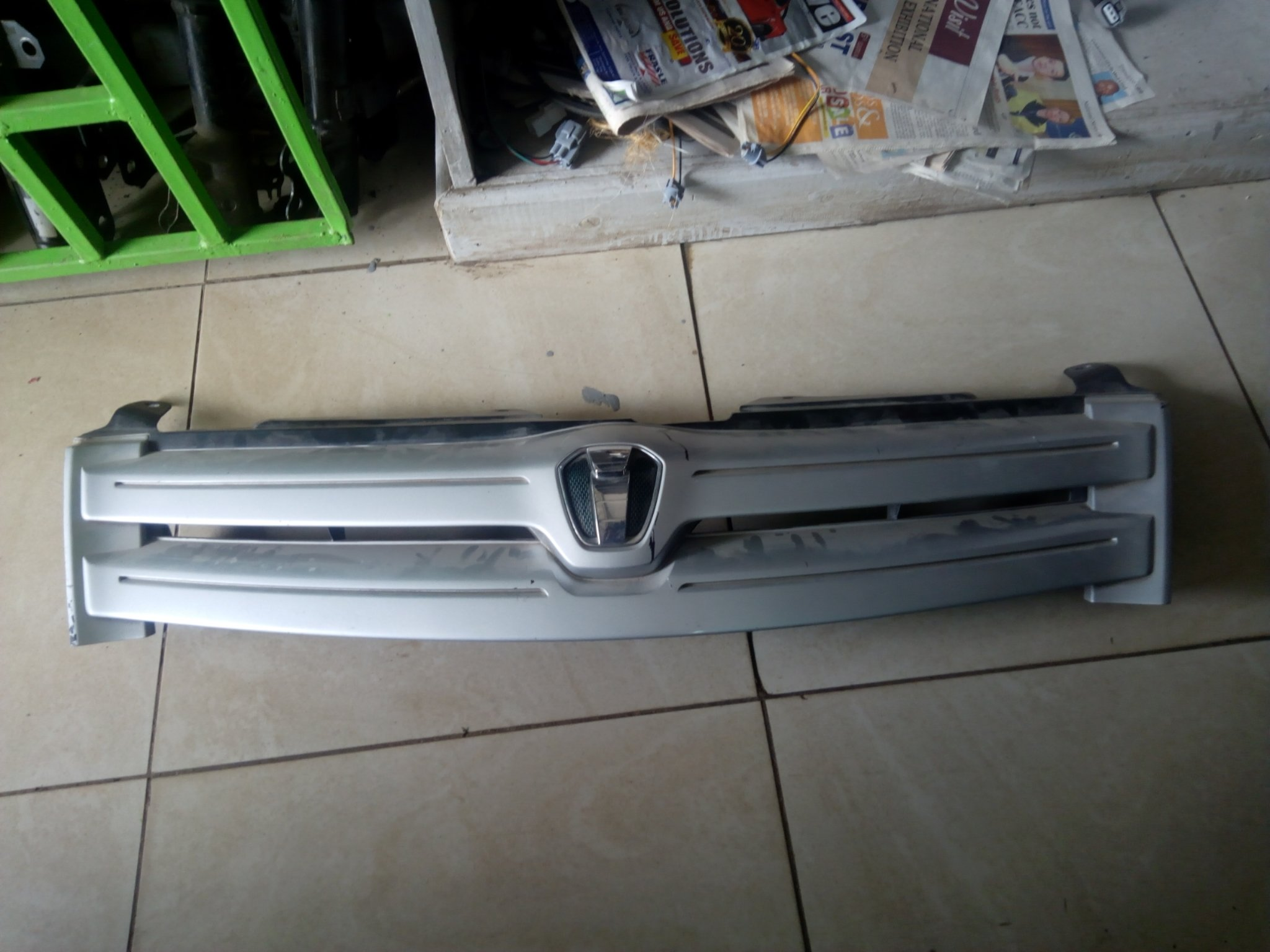 Toyota ist Grill 00832