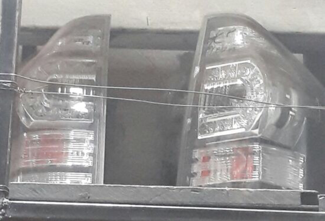 Toyota Noah tail lights  00846