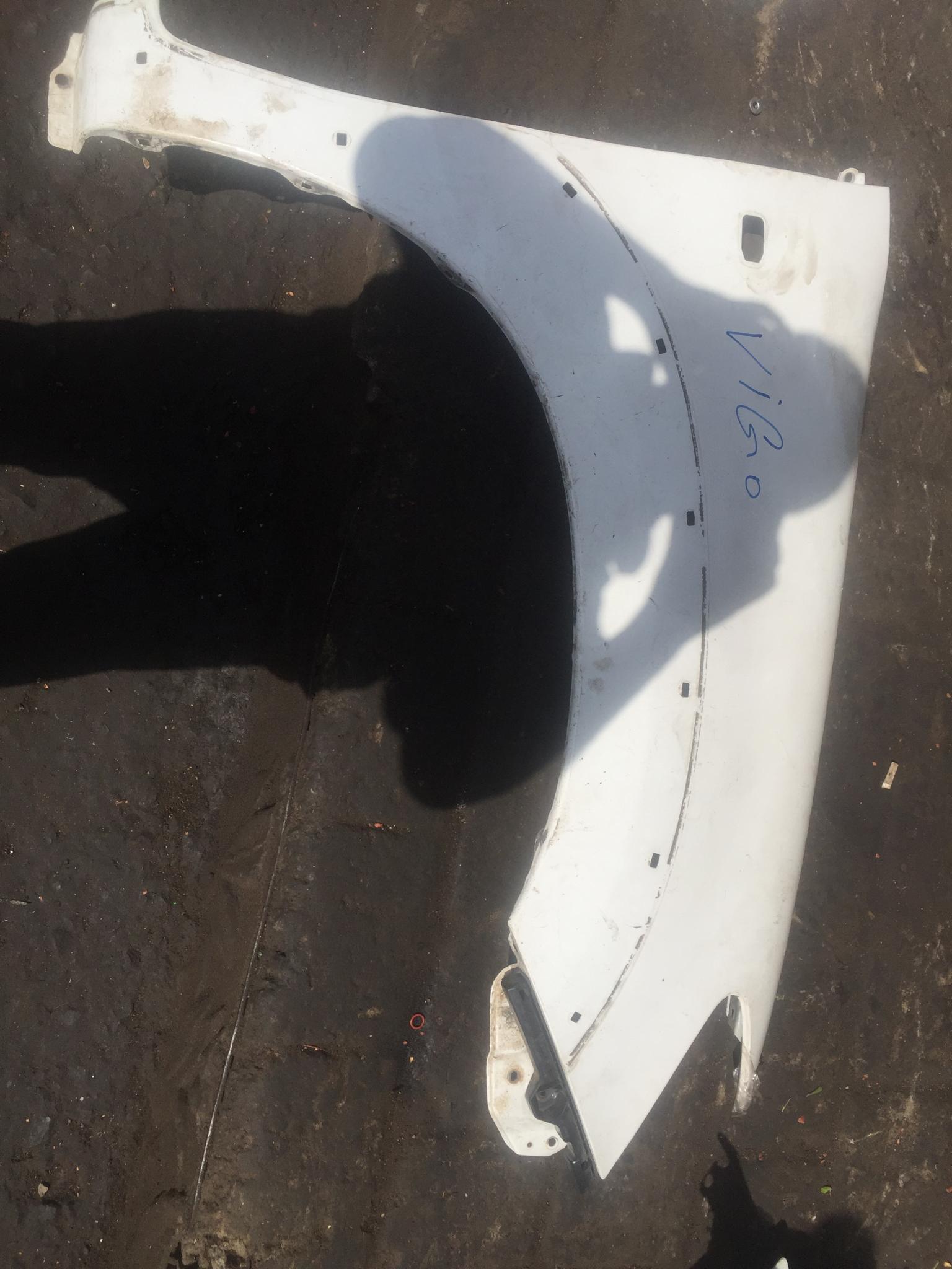 Toyota vigo wing 00911