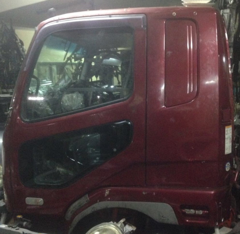 Cabin for fuso figher  00913