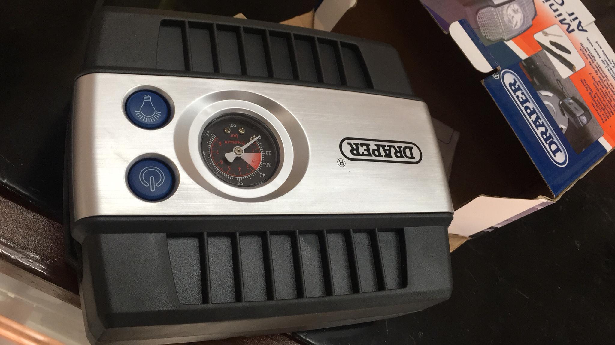 Mini analogue air compressor