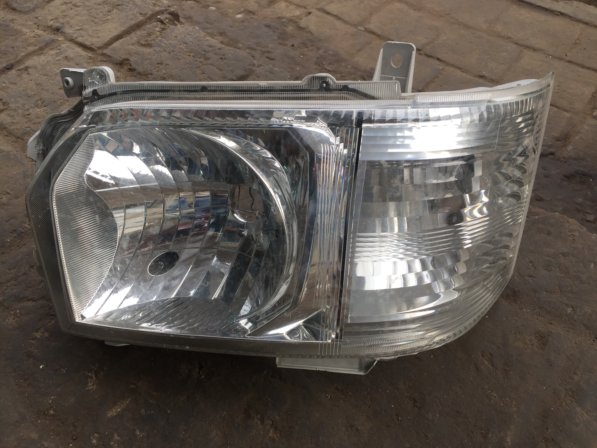Head light 7L 00945