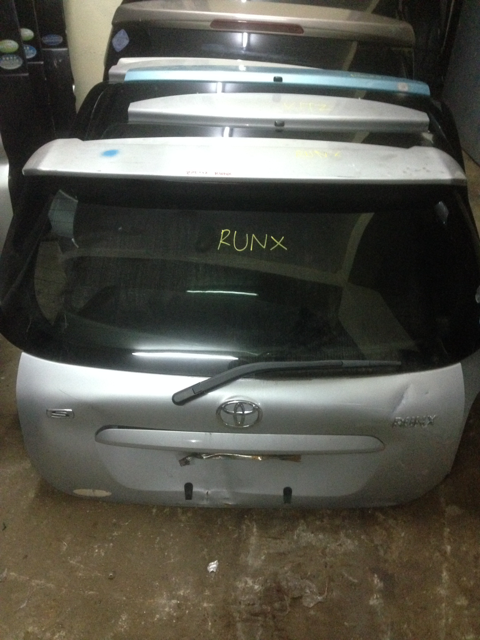 Toyota Runx boot 00978
