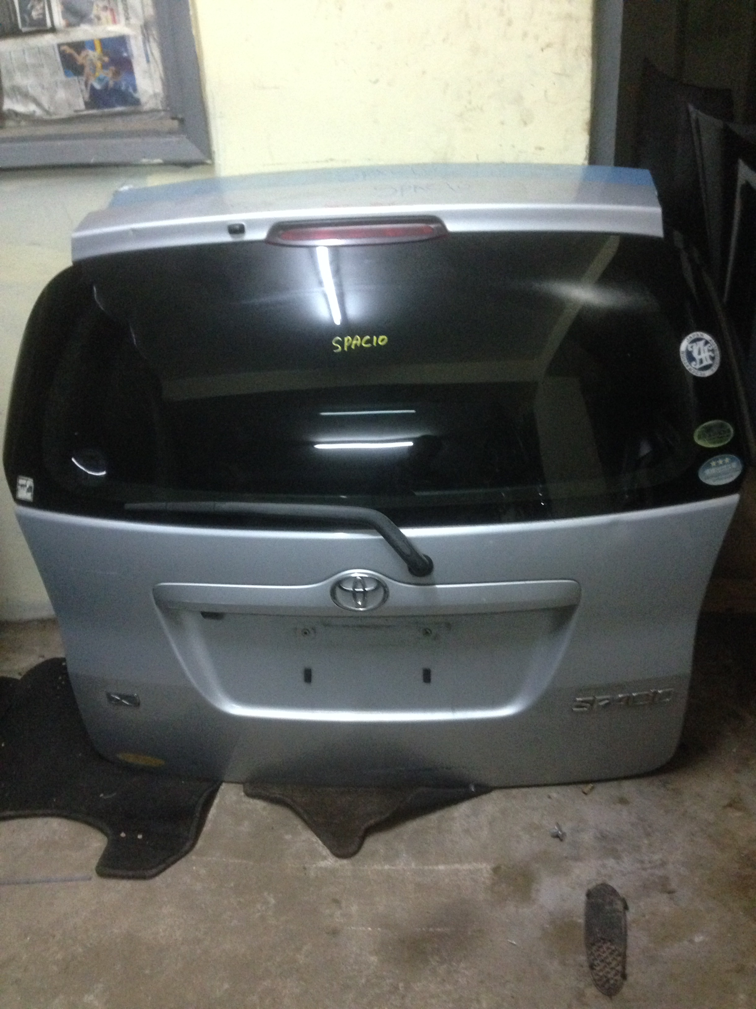 Toyota Spacio boot 00982