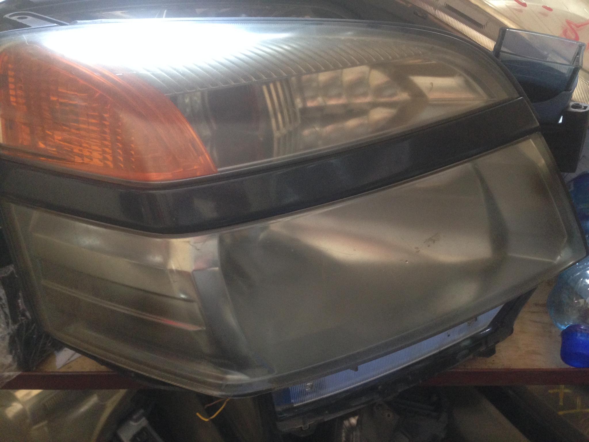 Toyota AZR60 voxy tail light 01001