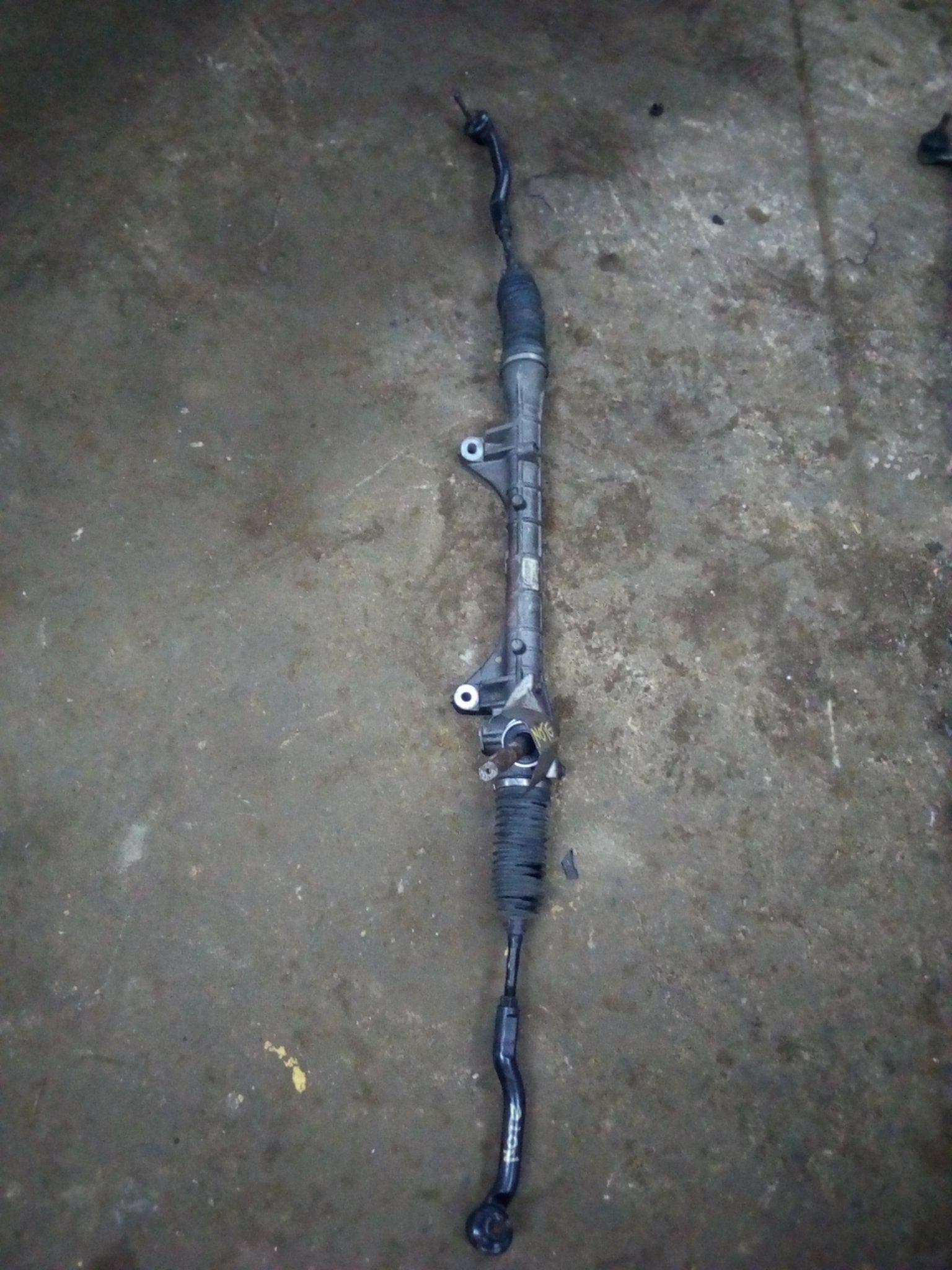 Nissan Note steering rack 01035