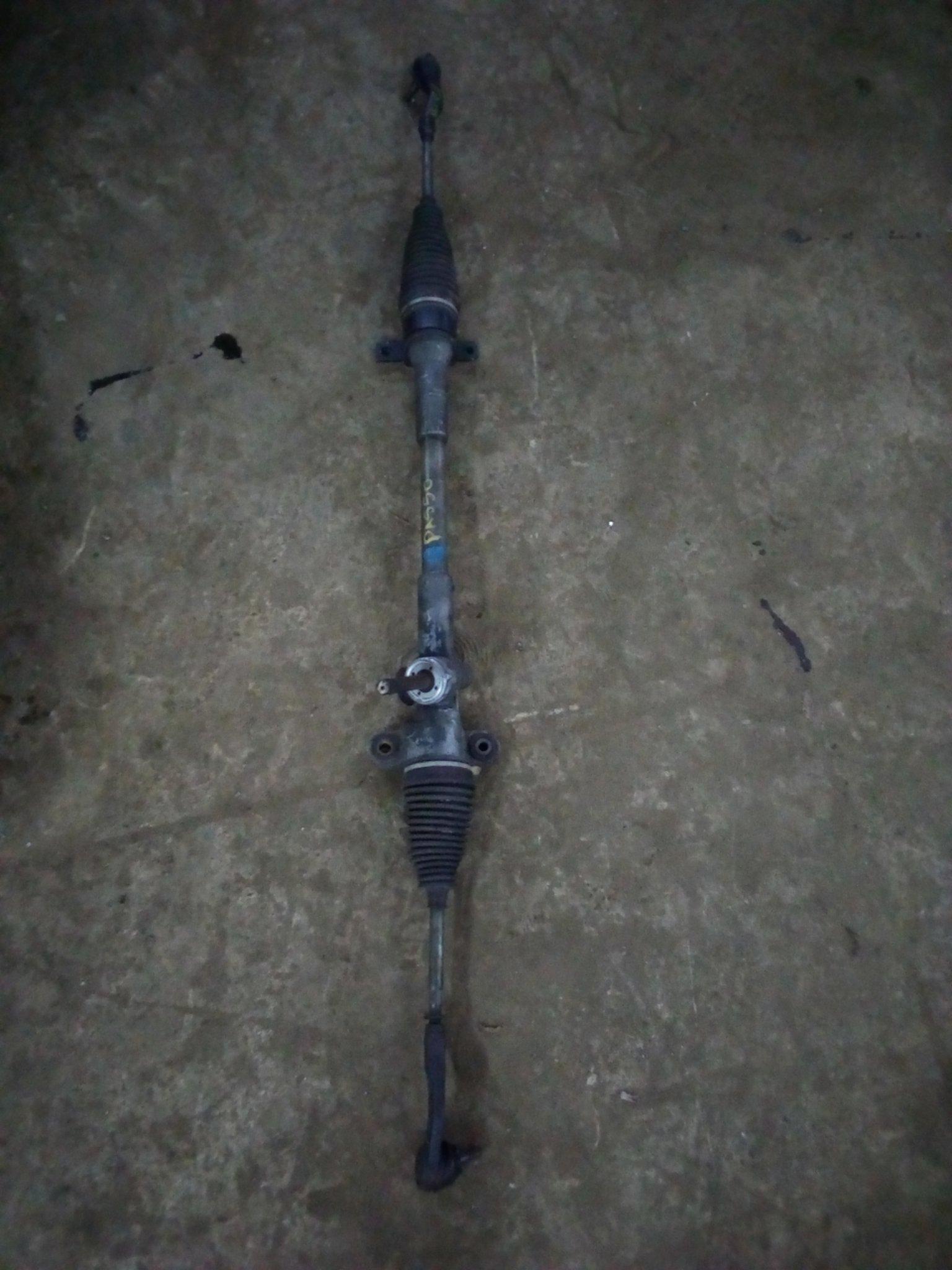 Toyota passo steering rack 01048