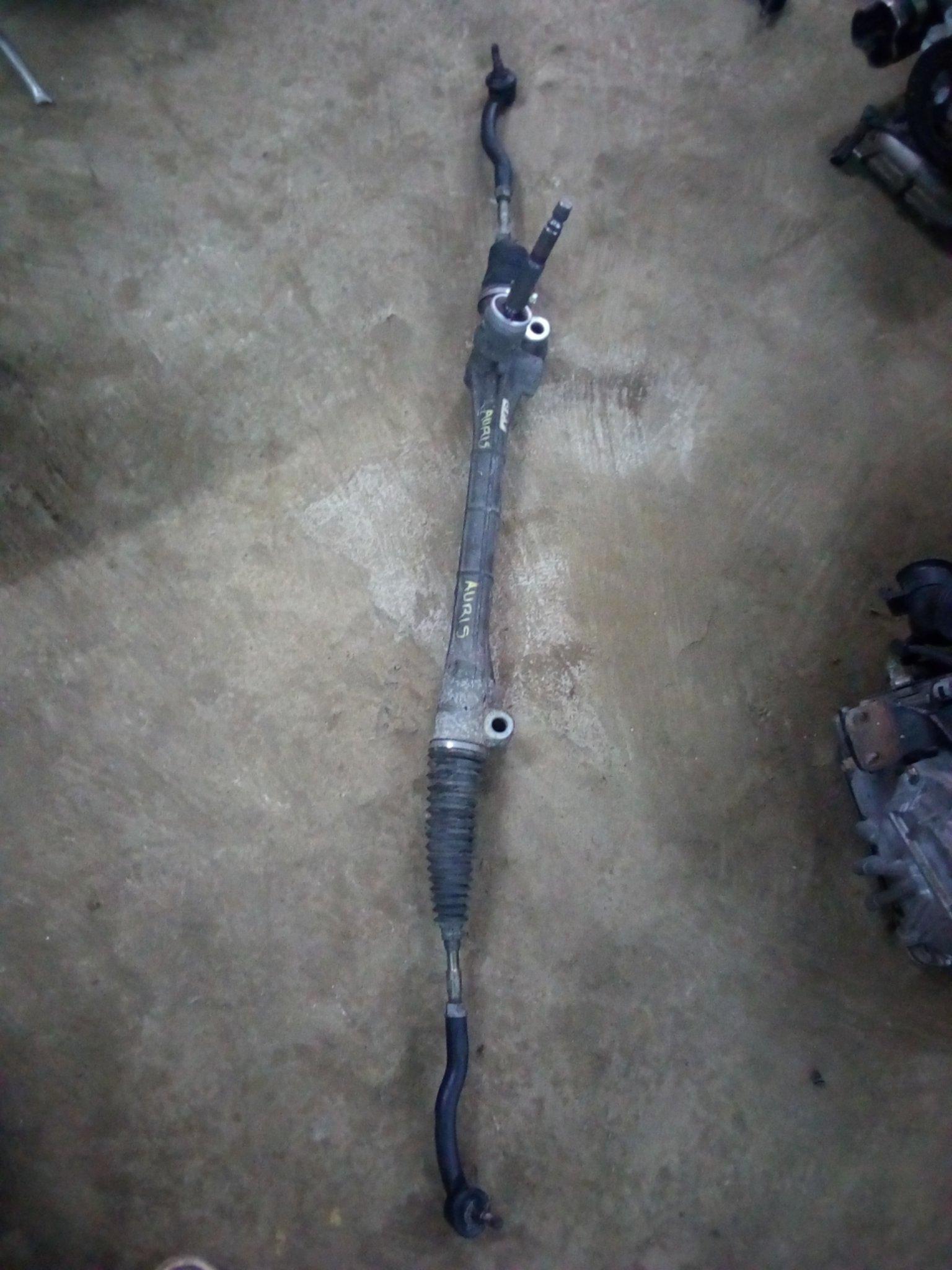 Toyota auris steering rack