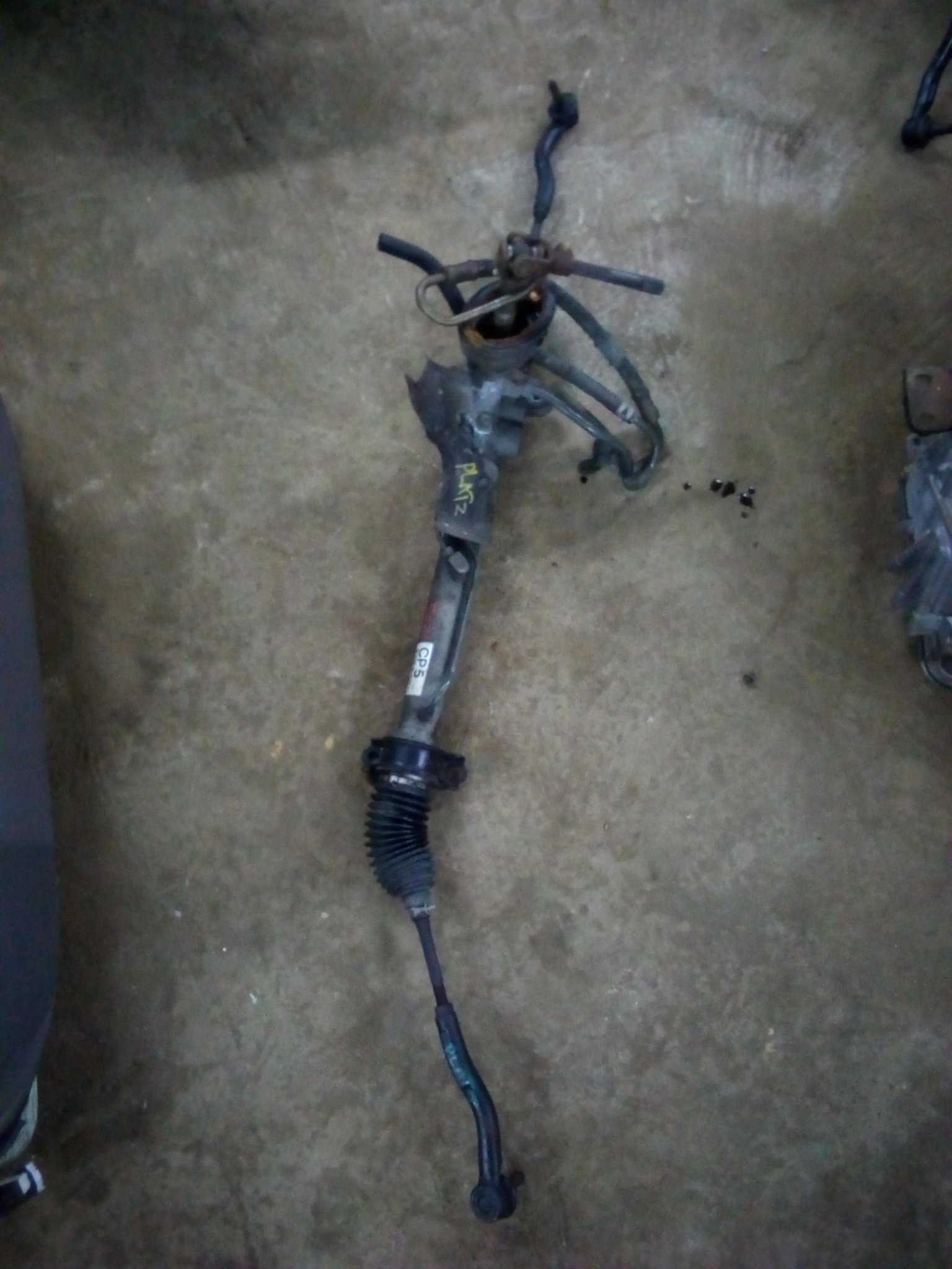 Toyota platz steering rack 01057