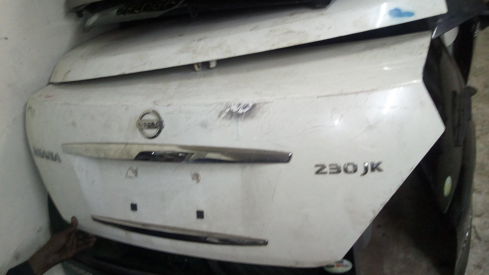 Nissan teana boot 01163