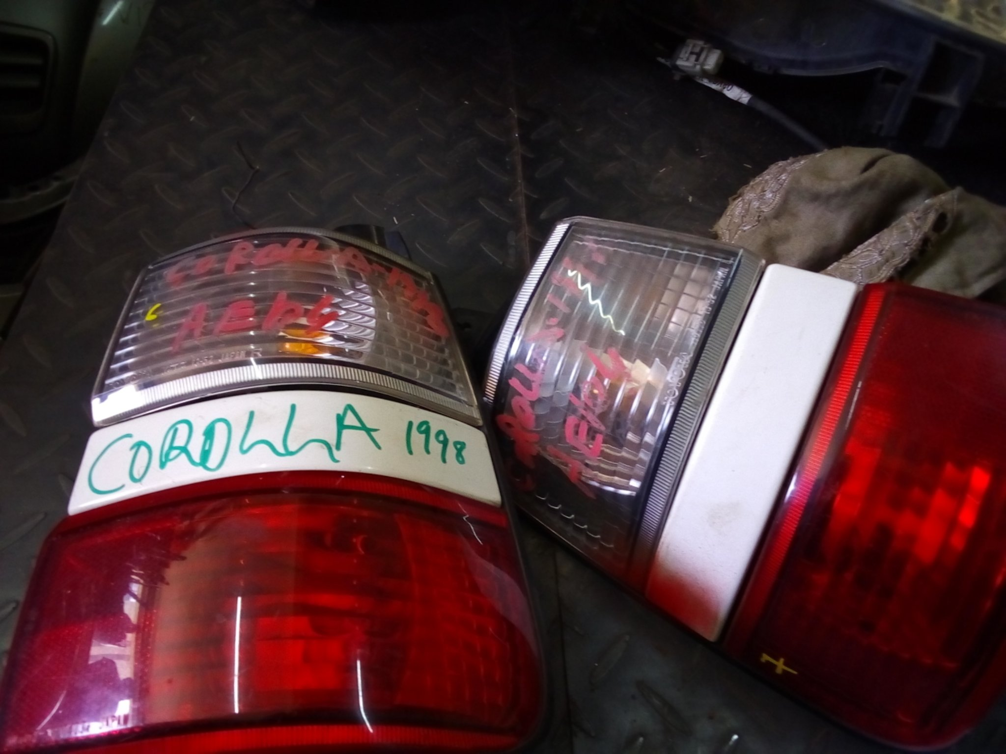 Toyota Corolla tail lights Alsy0001