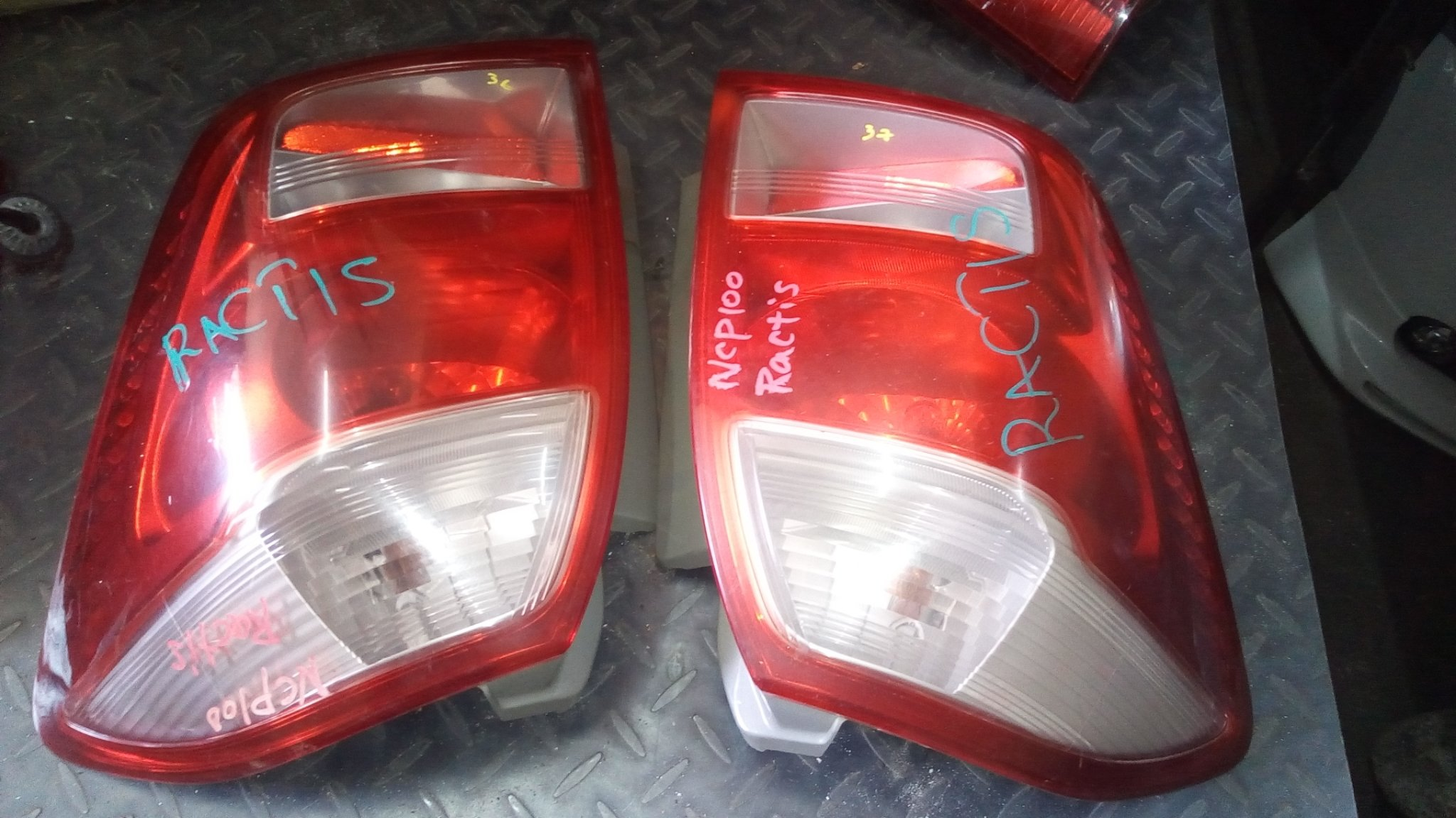 Toyota Ractis ncp100 tail lights 01206