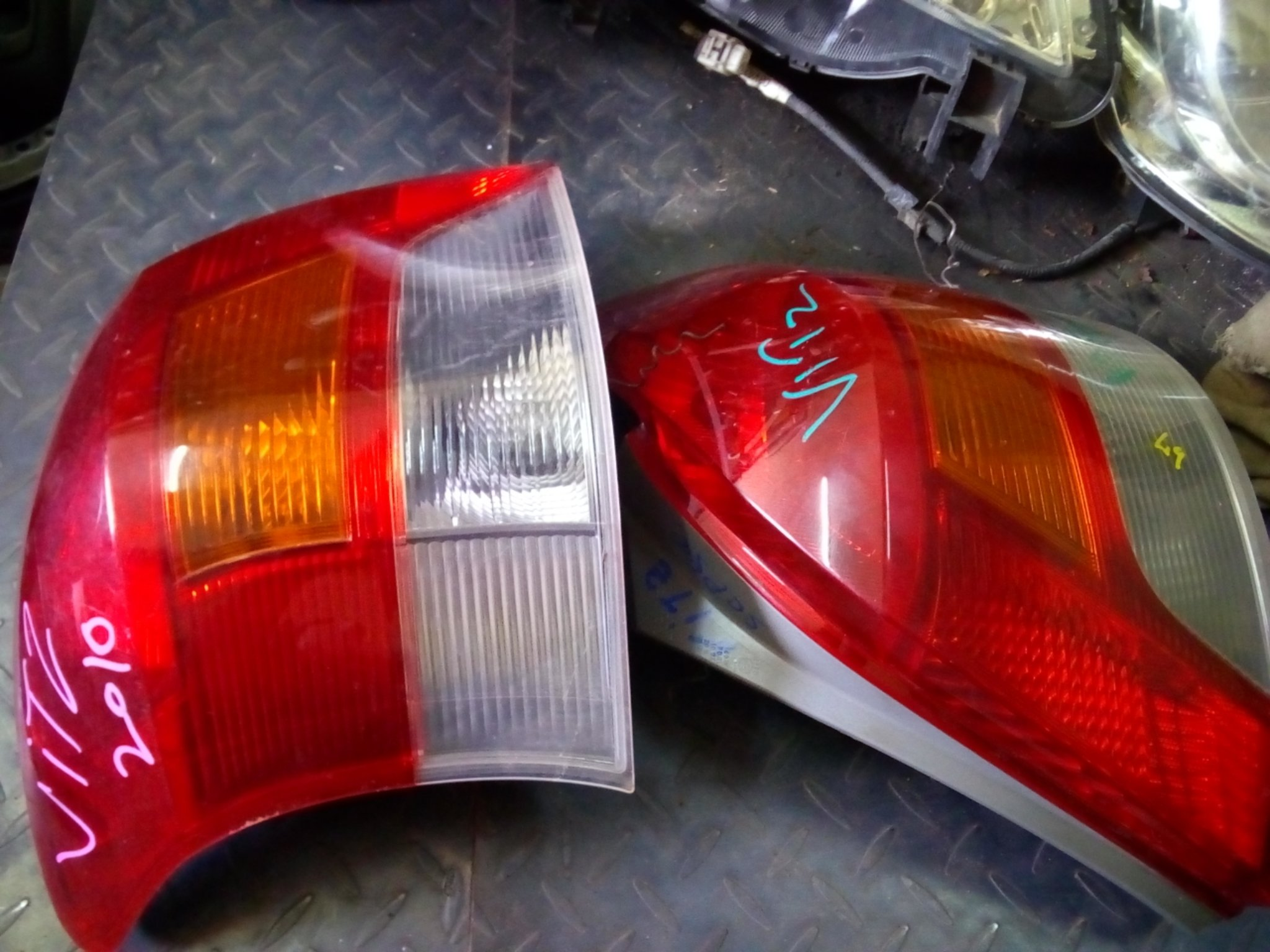 Toyota Vitz tail lights 01207