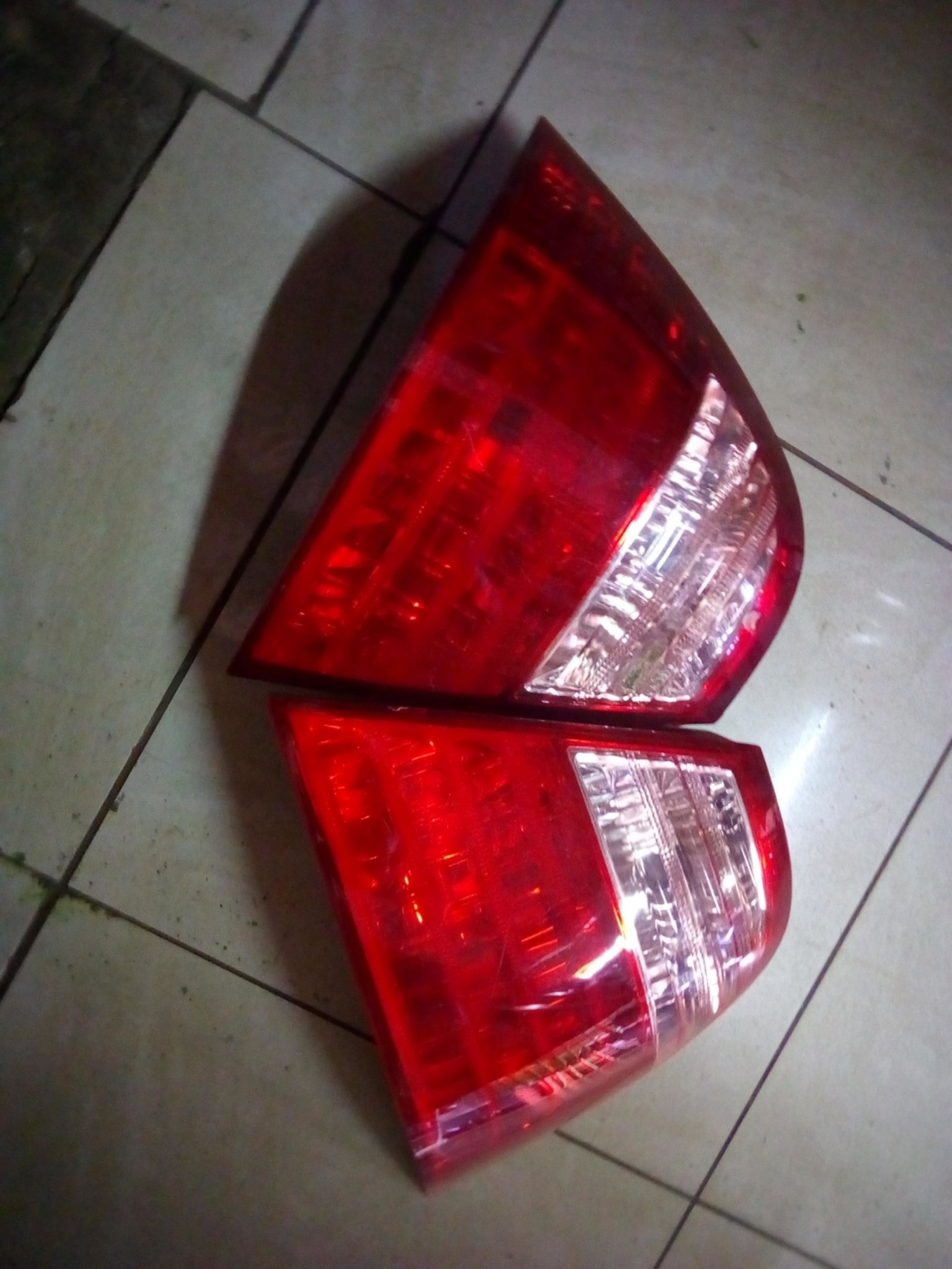 Toyota Nze tail light 01299