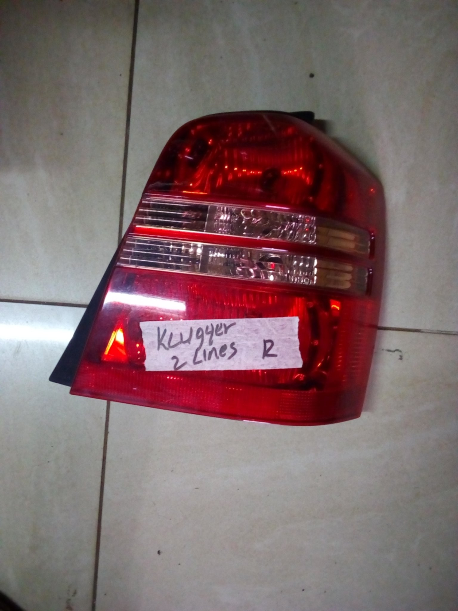 Toyota Kluger tail light kp 0009