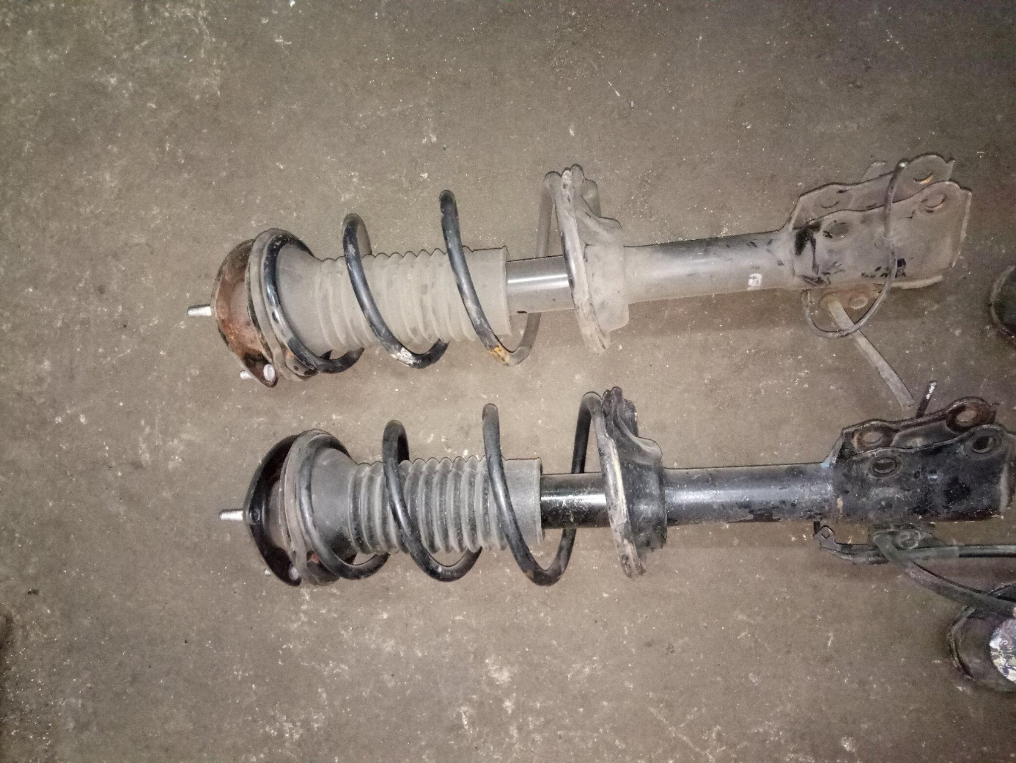 Toyota Ist front shocks alsy01351