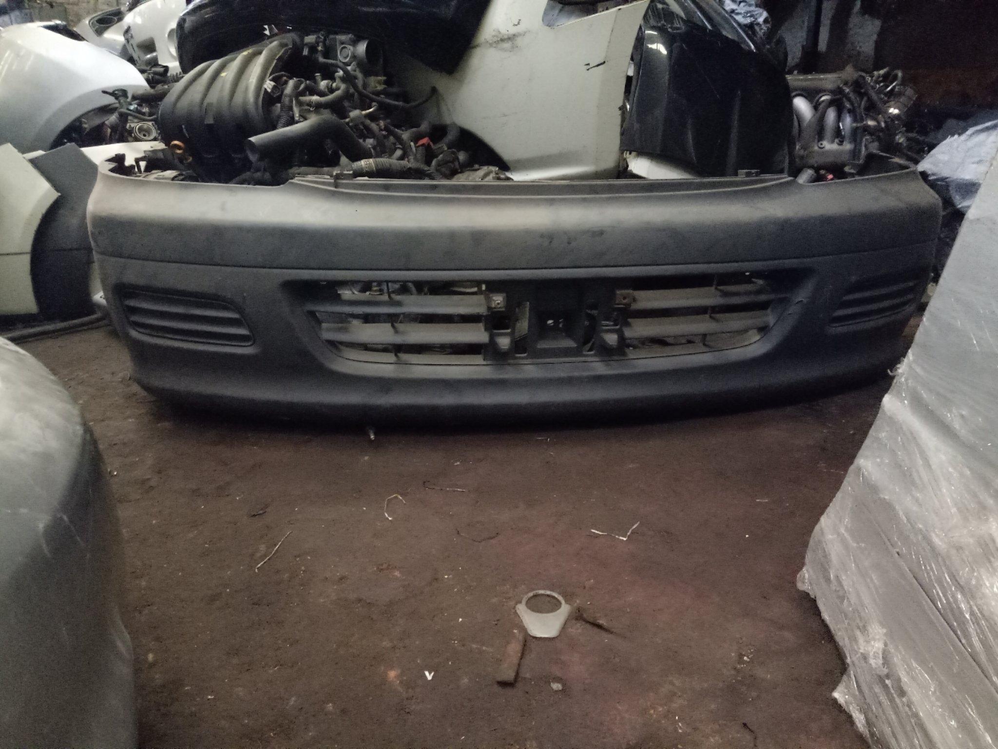 Toyota Noah front bumper auto1381